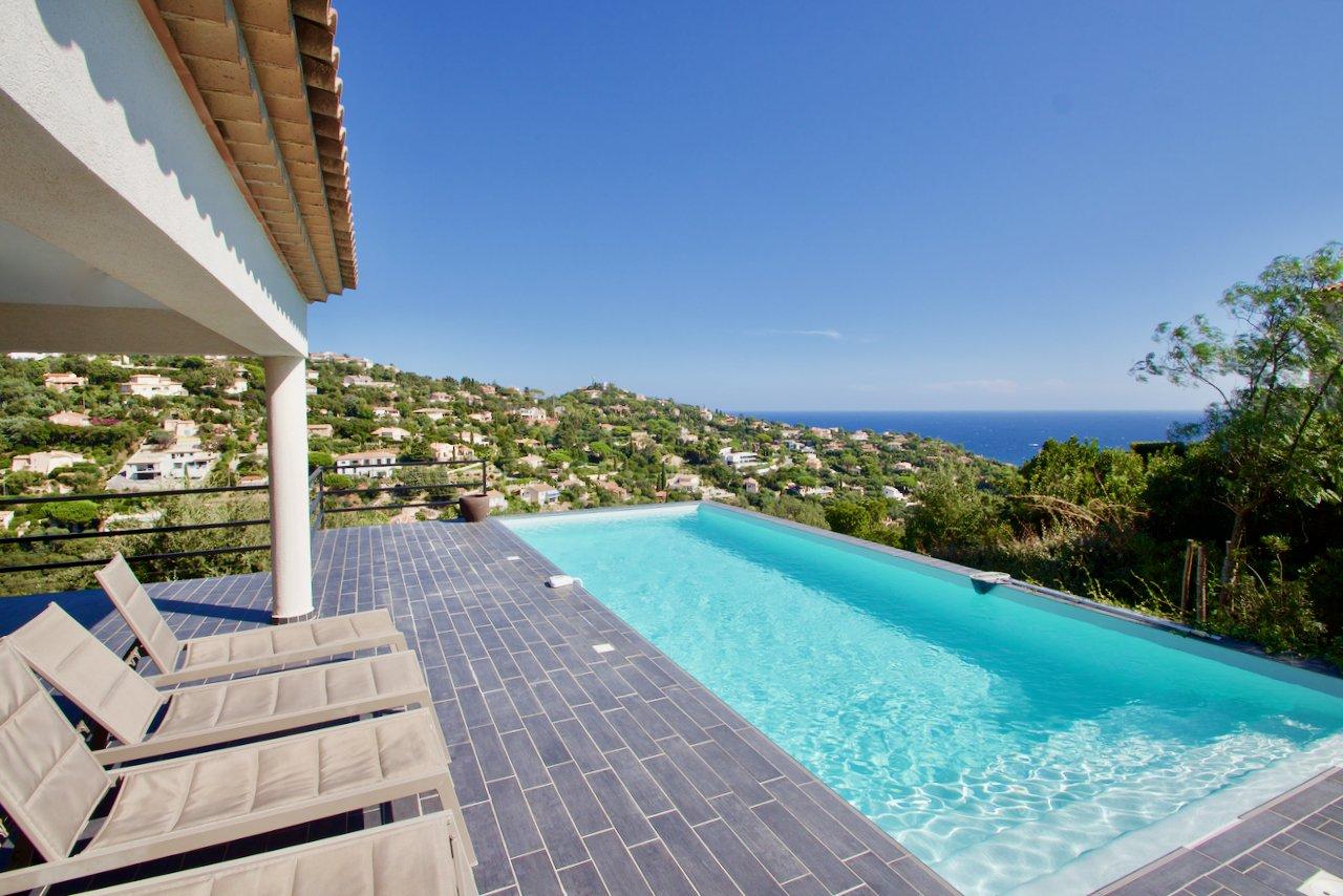 Les Issambres - Moderne villa - geweldig zeezicht - veel privacy!