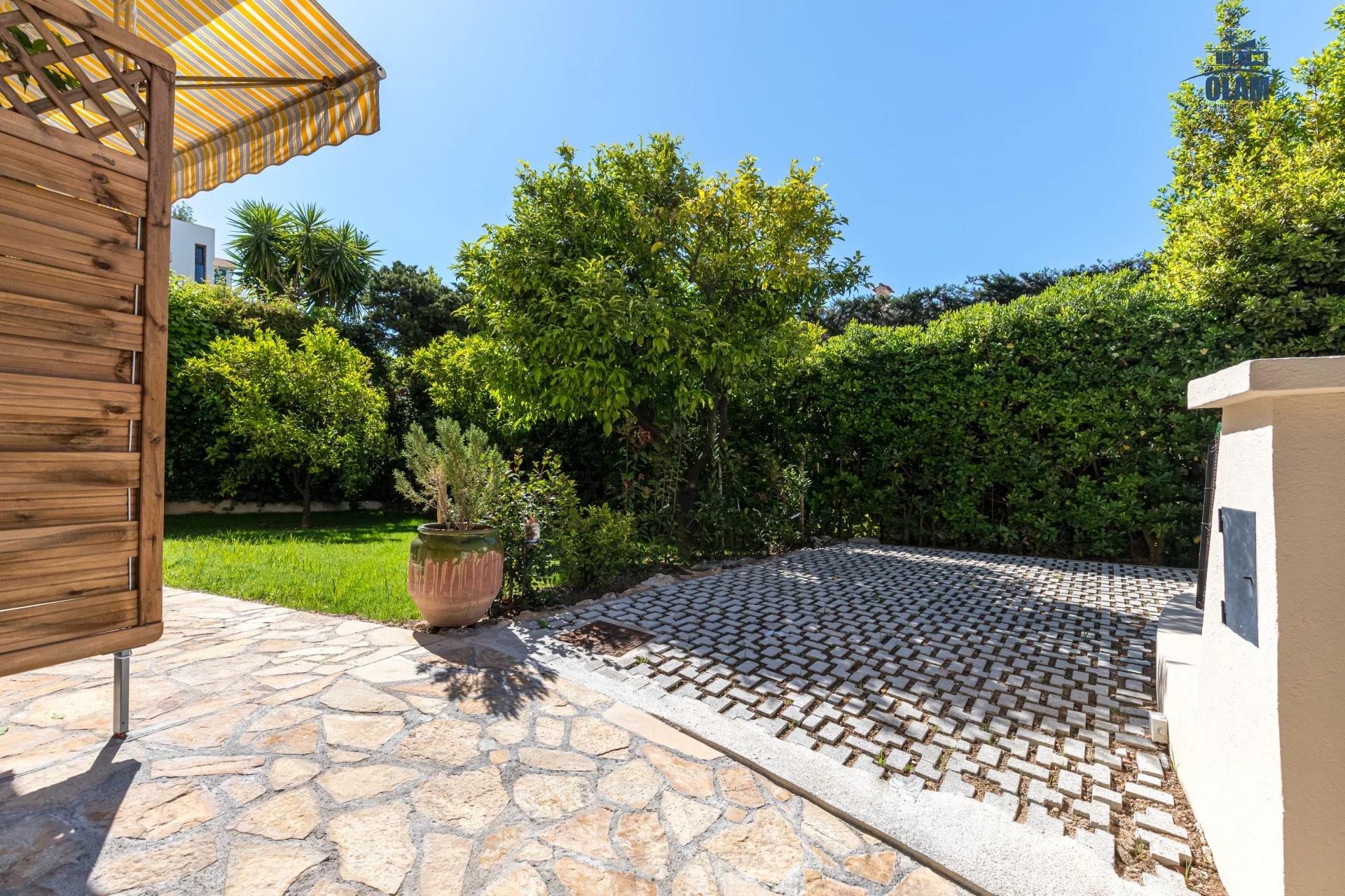 Superbe 2 pièces rez de jardin Plages du Midi Cannes