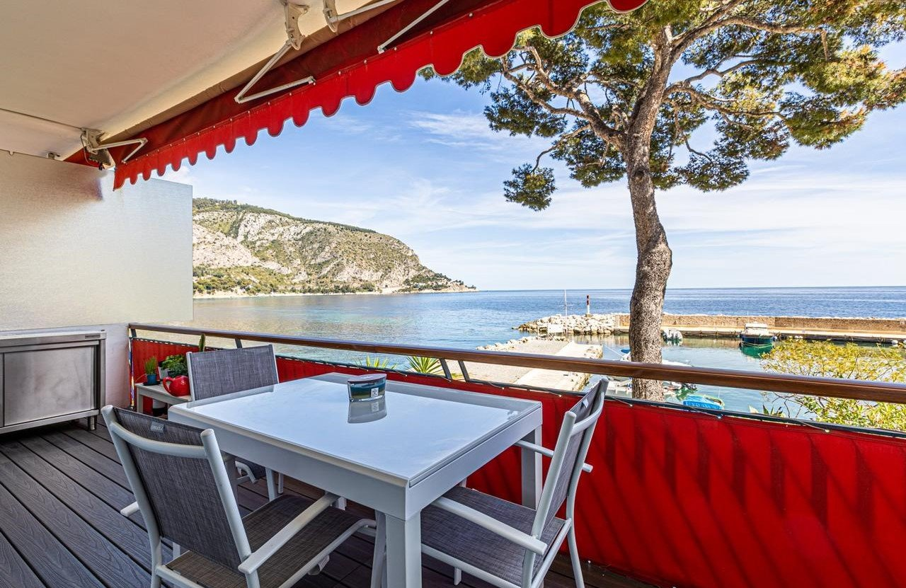 Tvårumslägenhet med terrass med havsutsikt - Èze