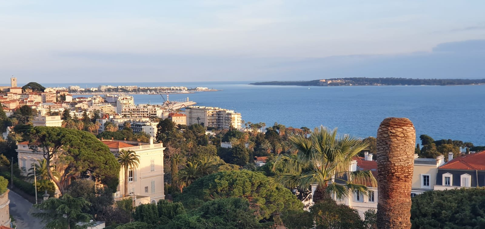 CANNES IMMEUBLE VUE MER PANORAMIQUE