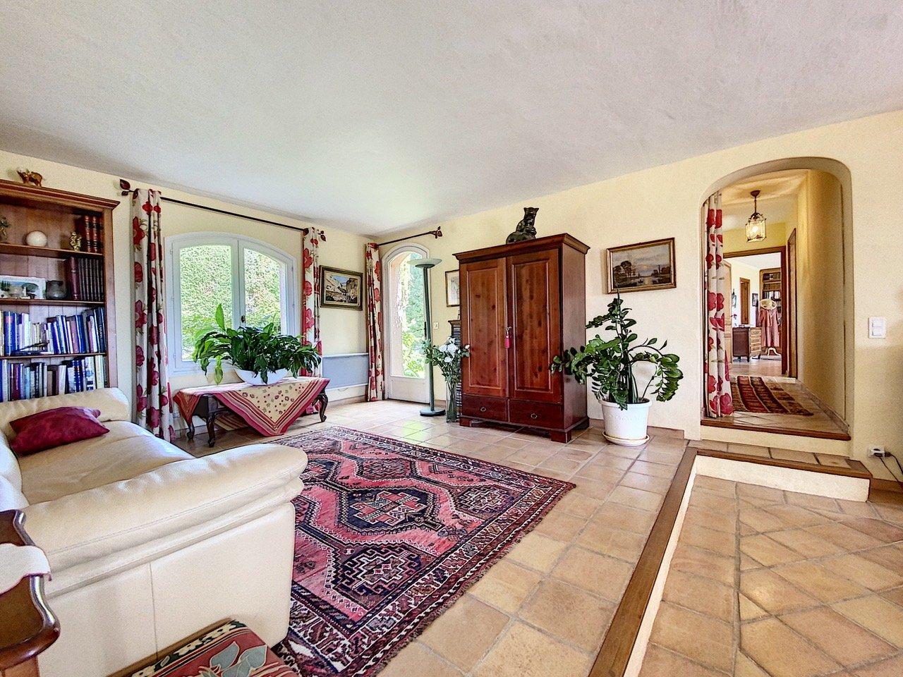 Superbe villa avec vue panoramique au calme
