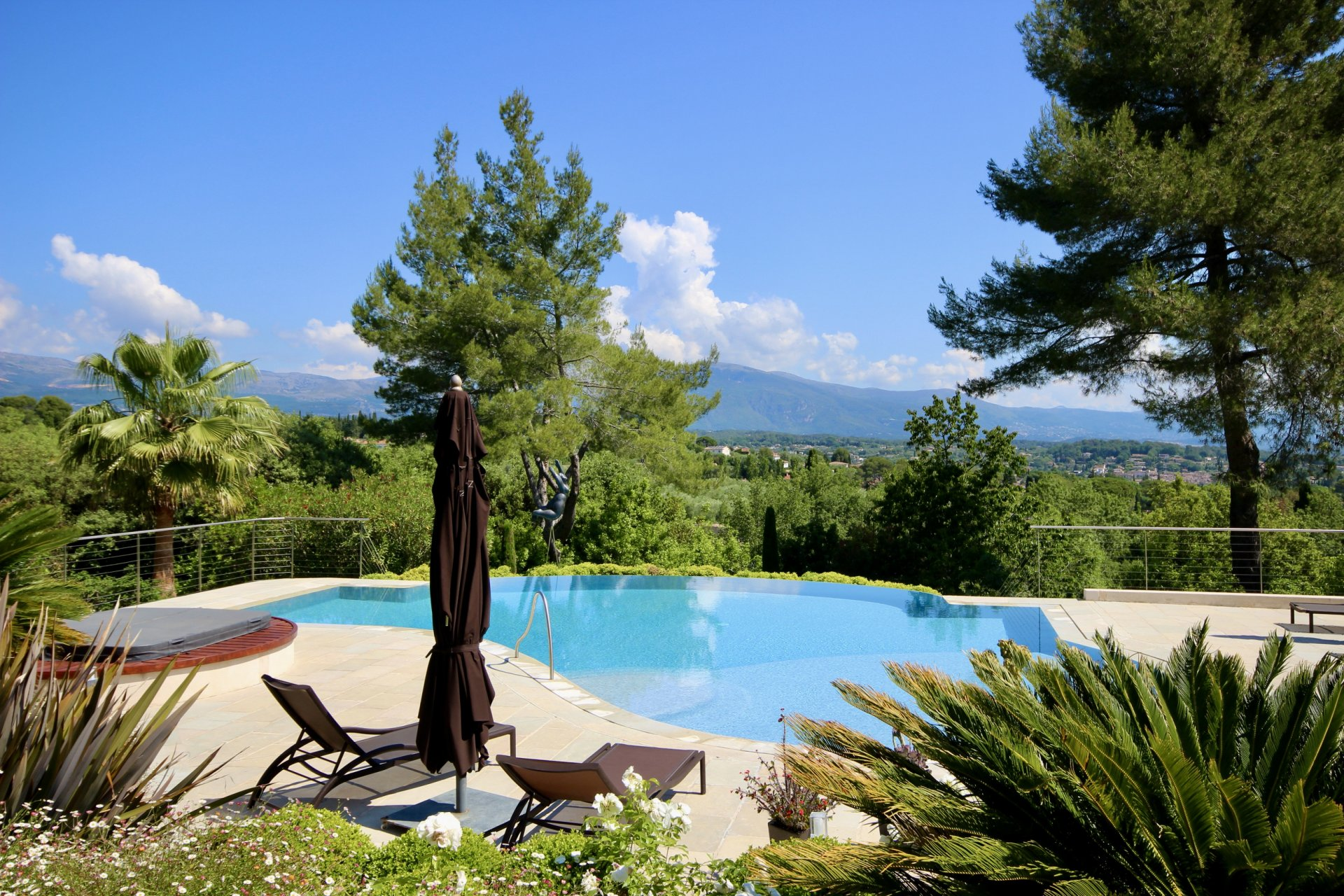 Exceptional property in Valbonne !