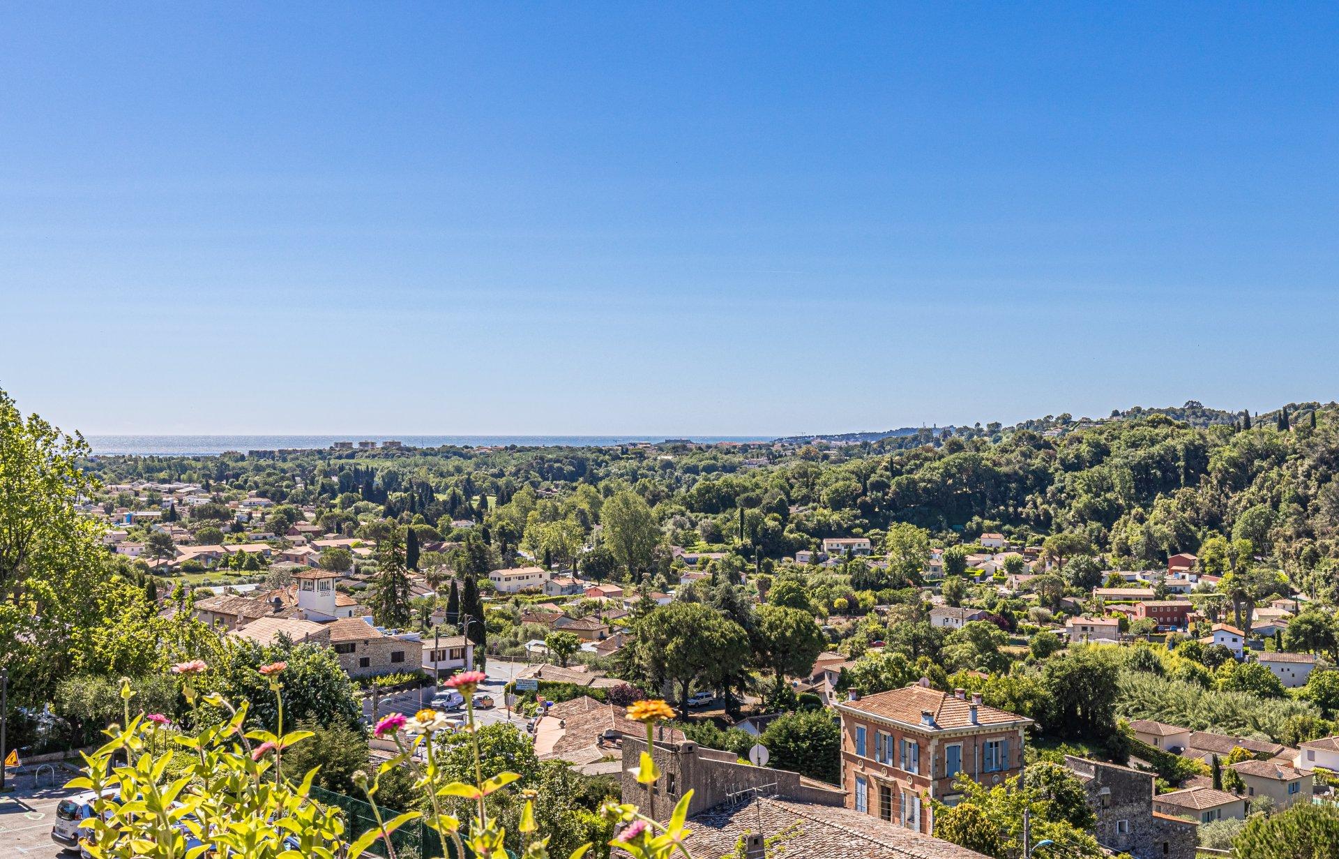3-bed, top floor apartment, terrace, sea view, luxury residence, pool, Biot village