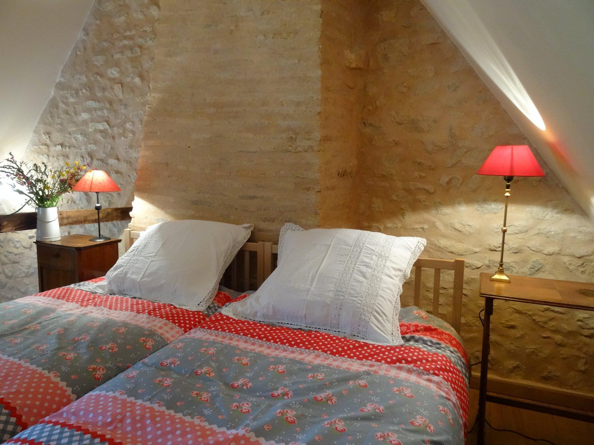 Maison rénovée avec chambres d'hôtes et gîte dans le Morvan