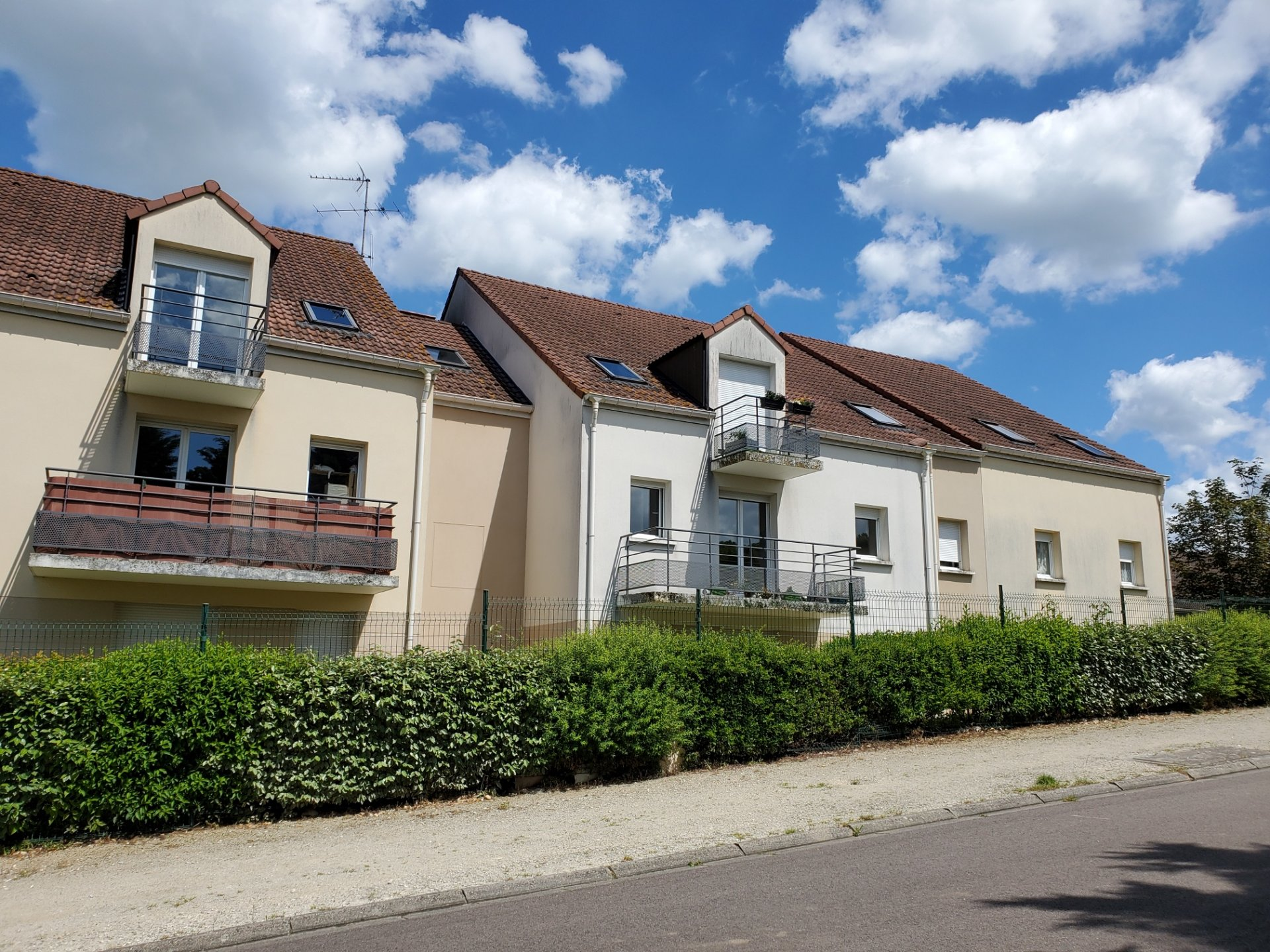 Sale Apartment - Villeneuve-sur-Yonne