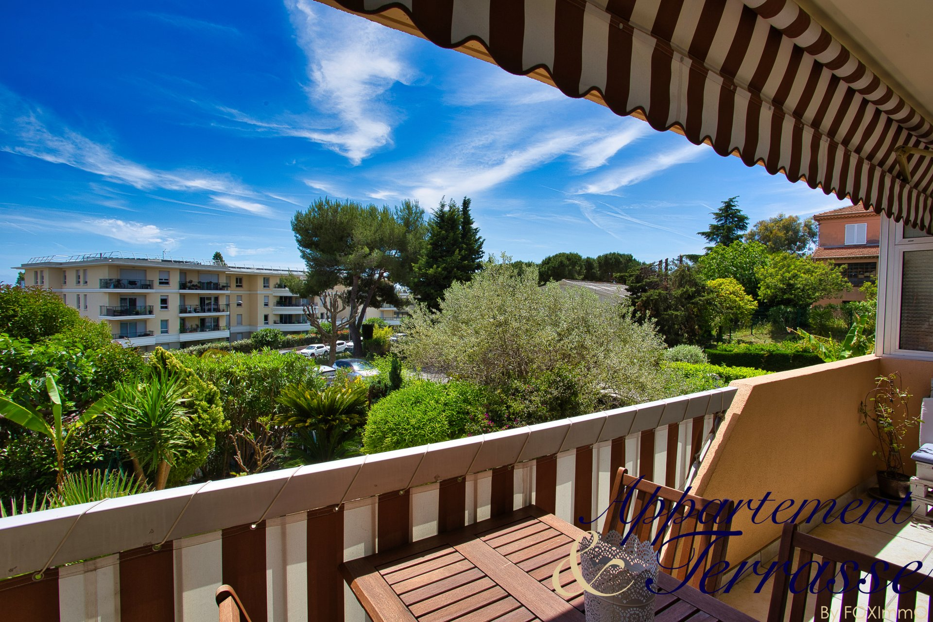 In Villeneuve Loubet beach, near the sea, nice 4 P with closed box and private parking