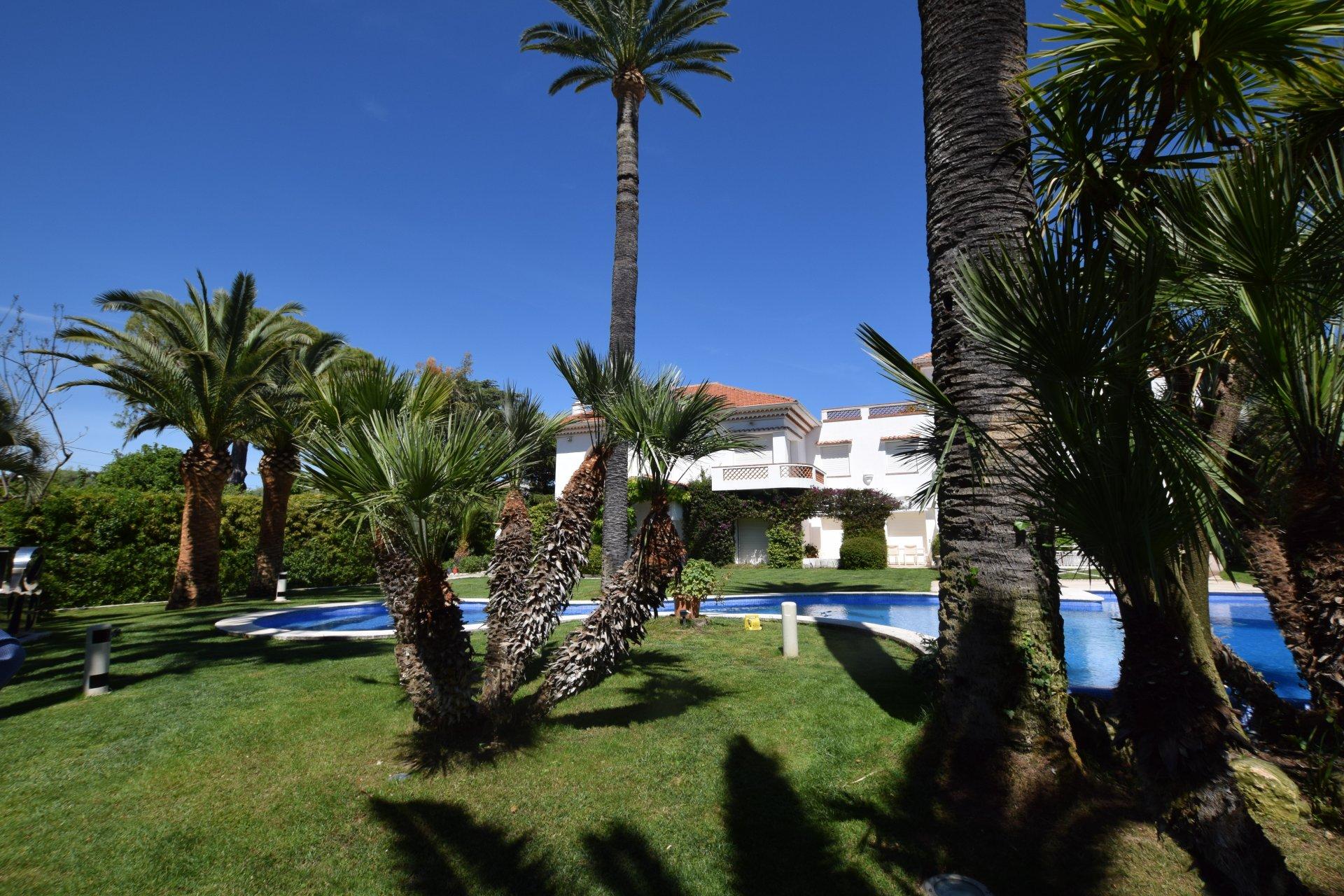 Exceptional villa for rent - Cap d'Antibes
