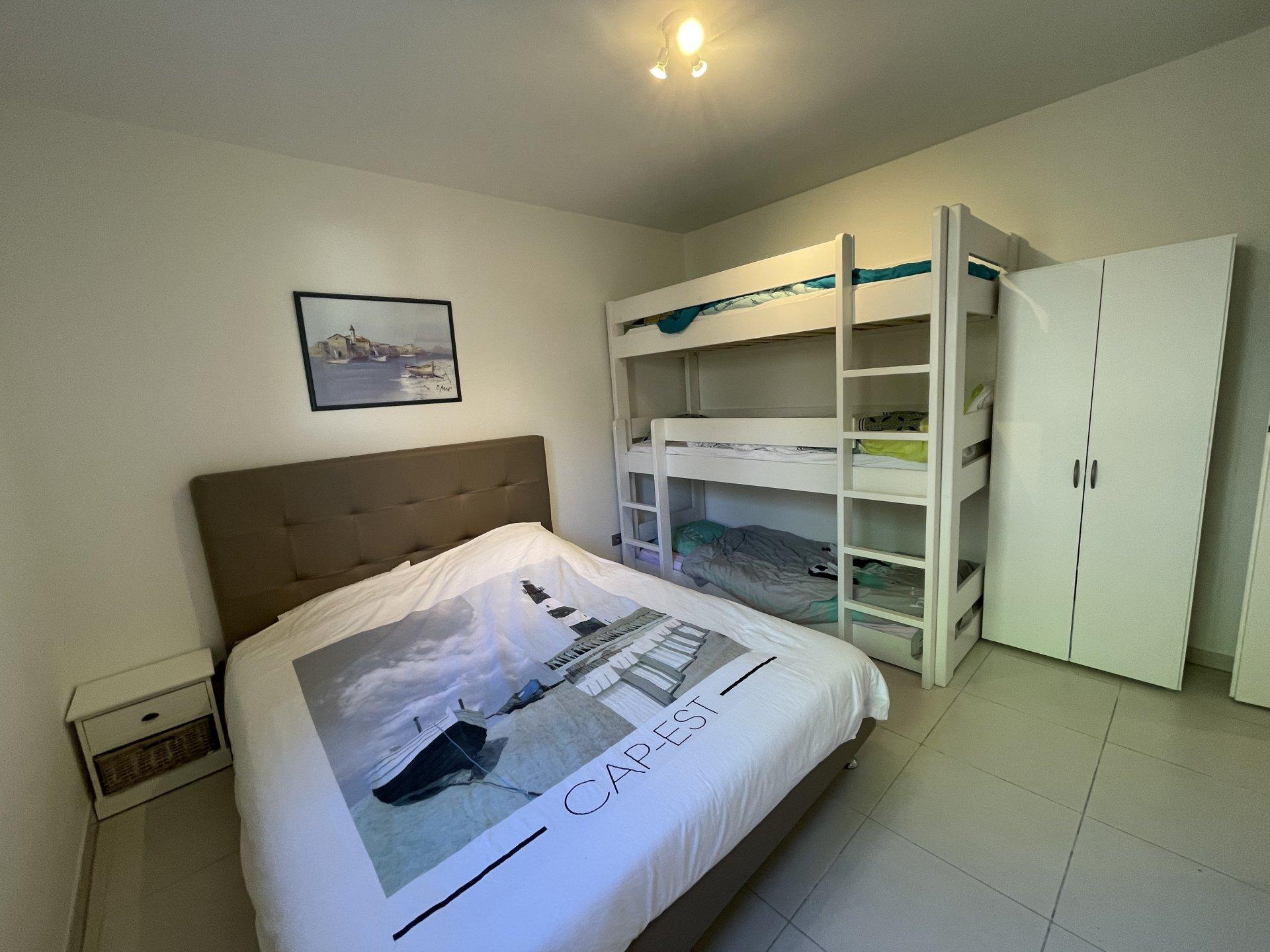 Apartamento de diseño 2 habitaciones vista mar y garaje