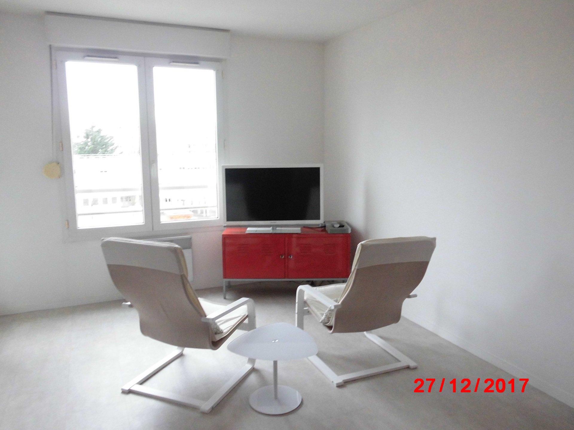 VILLEURBANNE, Appartement 3 pièces, 72 m², limite LYON 3.