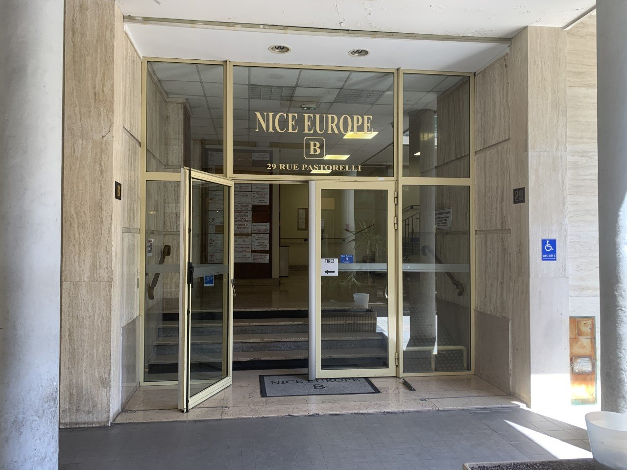 MURS COMMERCIAUX LIBRES-NICE CENTRE VILLE -580M2