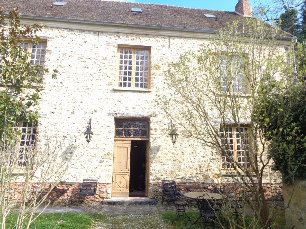 Château 17è restauré au 19è  Ile de France