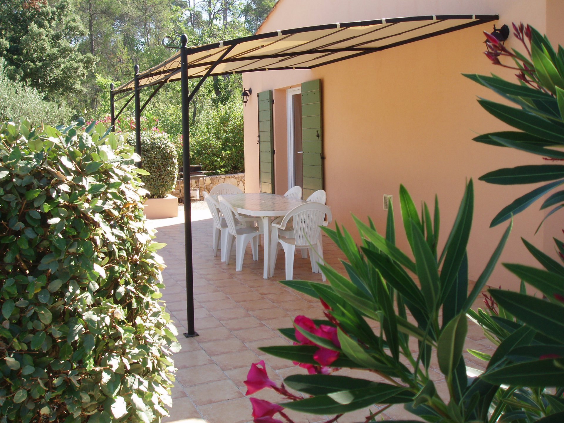 COTIGNAC Lovely house with pool in quiet environment close to Cotignac