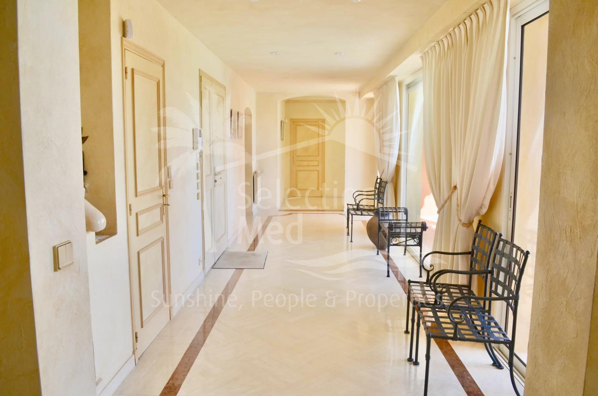MOUGINS - DOMAINE Luxurious Villa in a sought-after