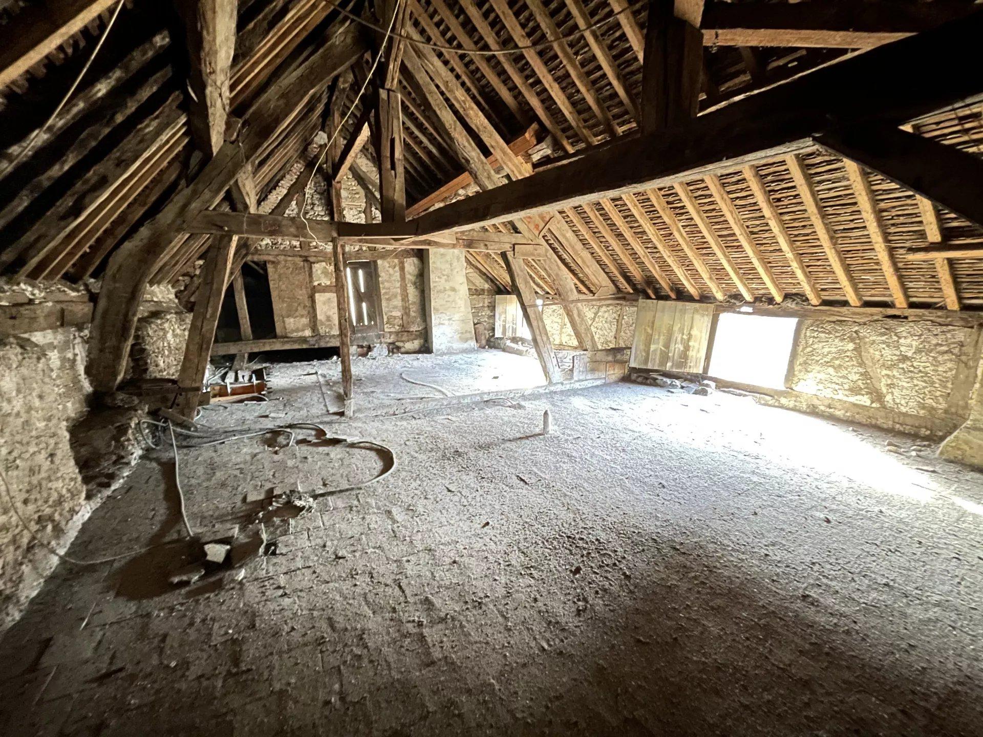 Sale Village house - Saint-Julien-du-Sault