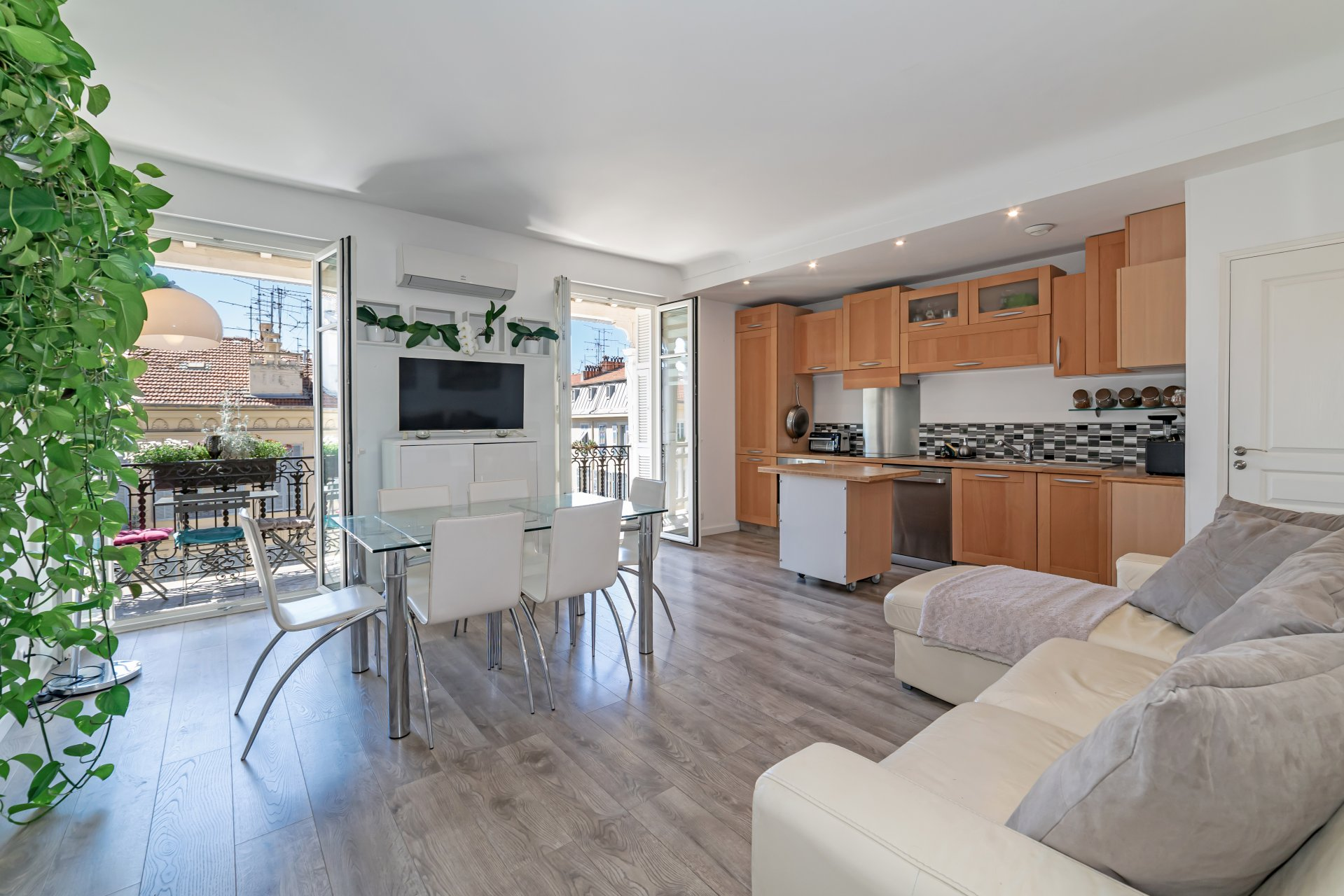 4 bedroom apartment in the City Centre
