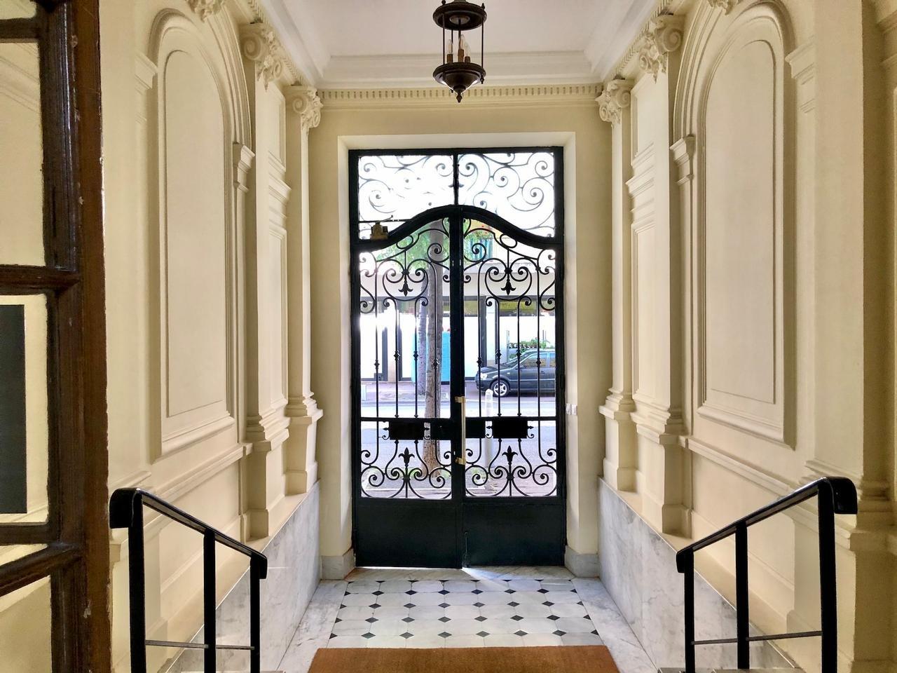 Nice Gambetta studio neuf hall d'entrée