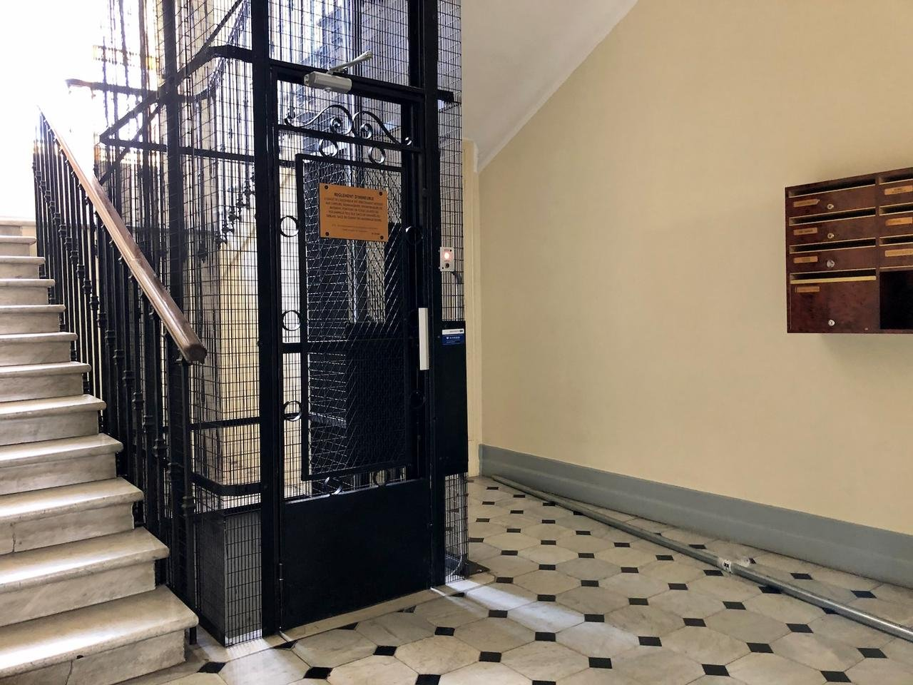 Nice Gambetta studio neuf ascenseur