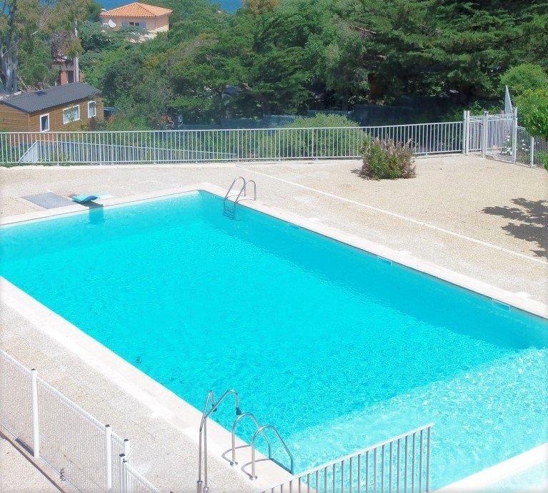 Studio dans résidence avec piscine et tennis