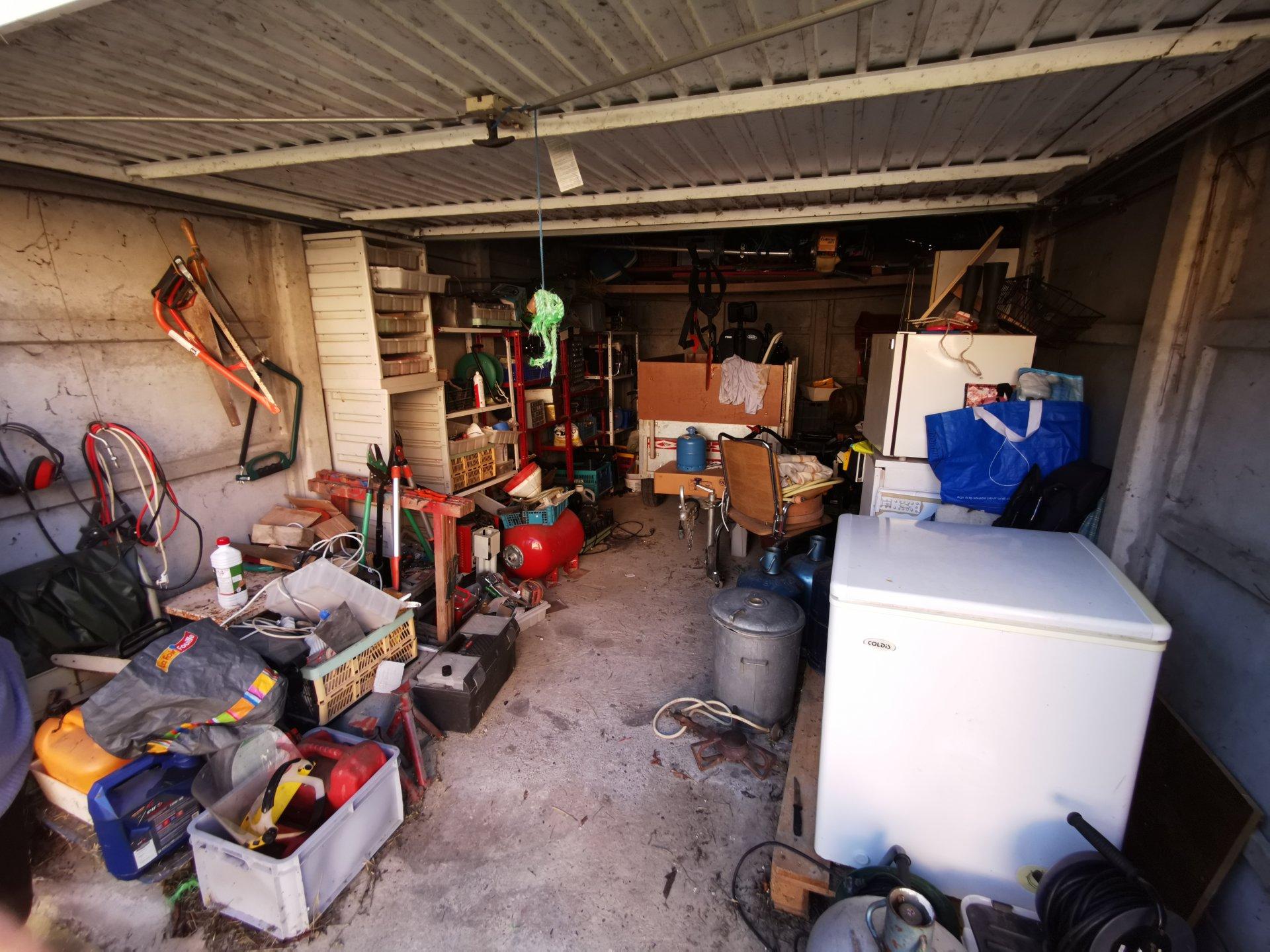 RARE, maison à rénover sur 2 ha