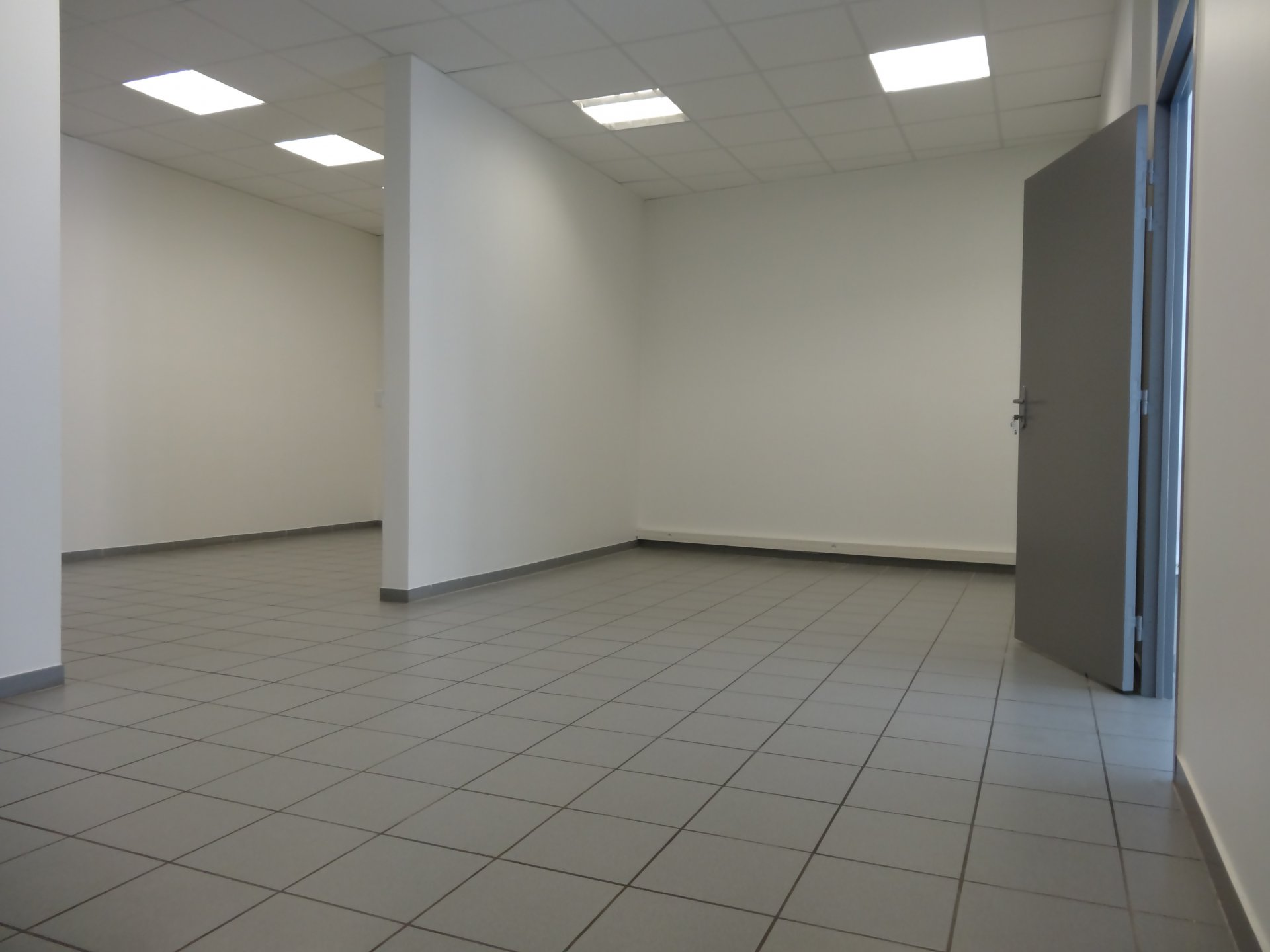 Rental Warehouse - Fontaine