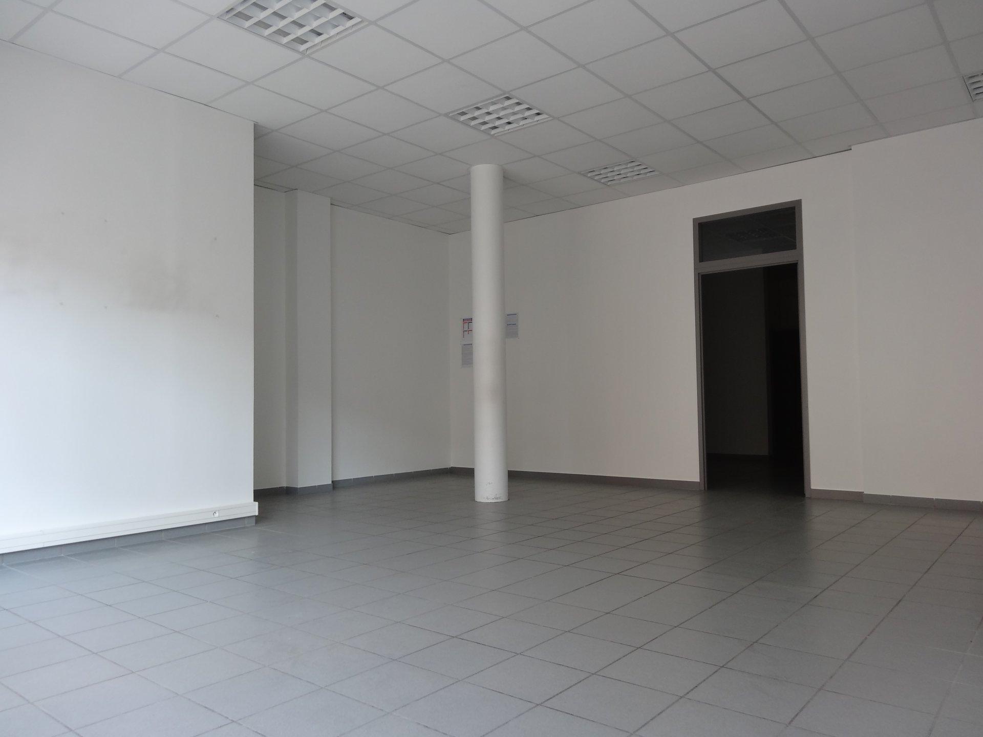 Vermietung Lagerhalle - Fontaine