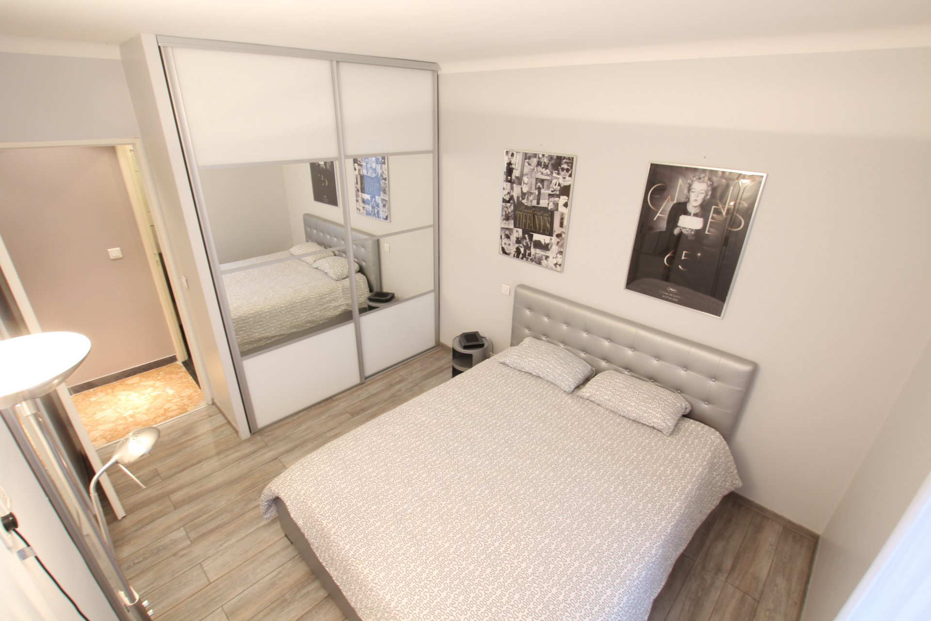 Sleeps 4 apartment (separate bedroom) Cannes
