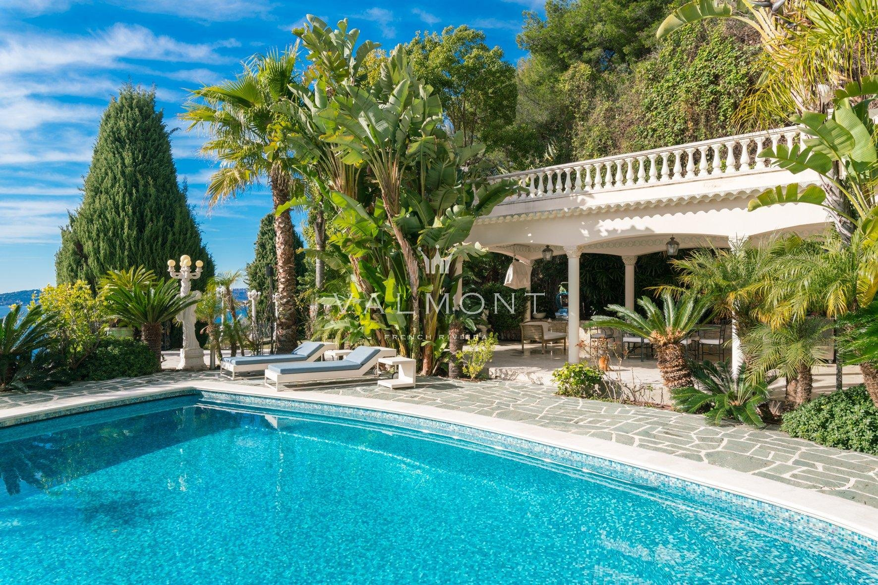 Элегантная недвижимость рядом с пляжем и Монако