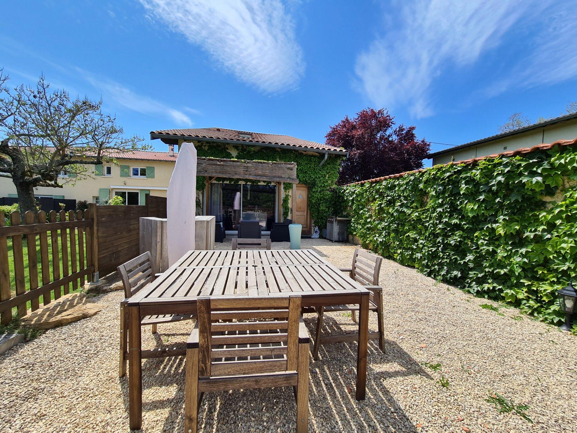 SAINT JUST CHALEYSSIN, Maison de village T6 de 153 m² avec jardin