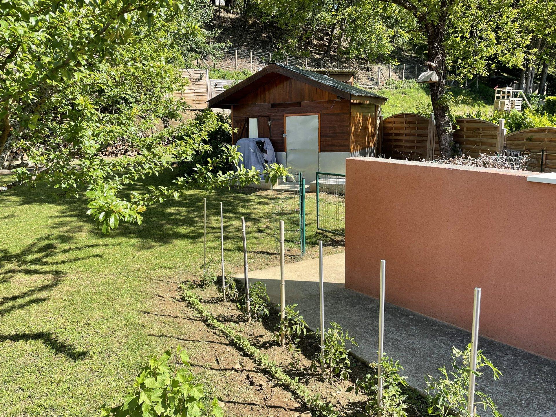 MONSTEROUX-MILIEU - VILLA T7 de 140 m²
