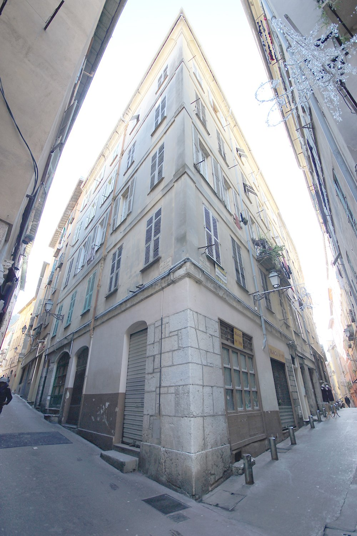 Vieux-Nice 3 pièces de 56m² belle hauteur sous plafond