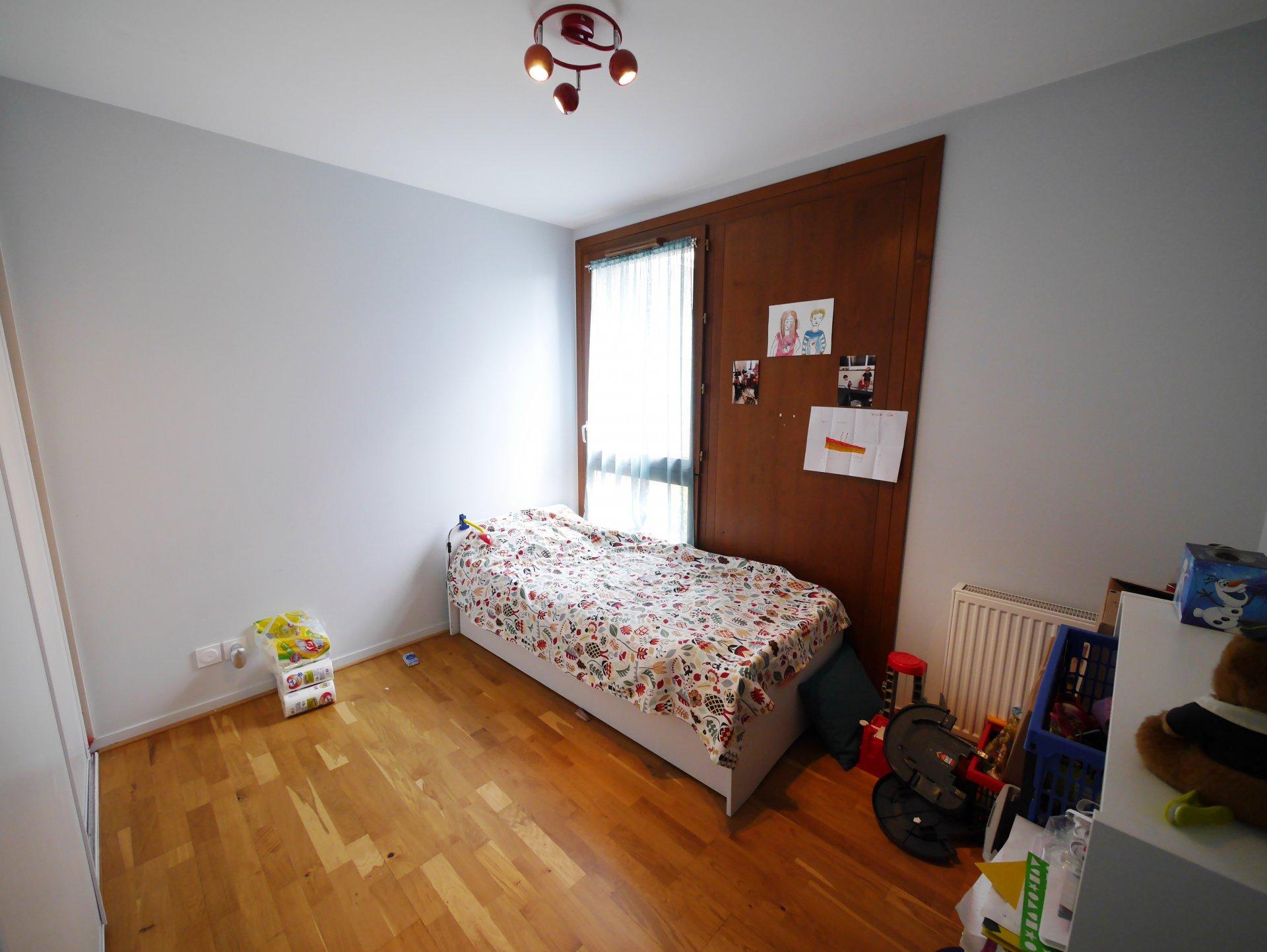 T4 de 80 m² avec garage dans résidence récente