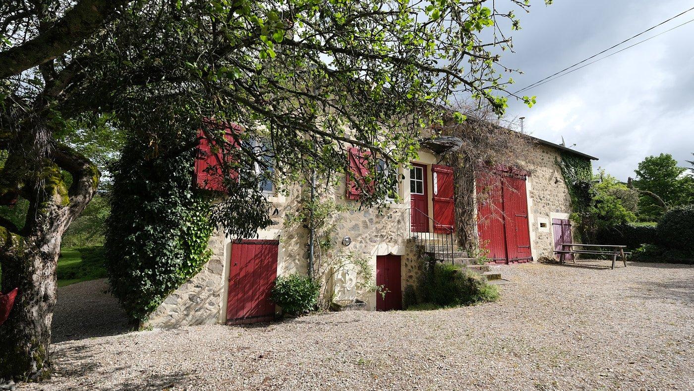 Maison en pierre avec lac à vendre dans le Morvan, Bourgogne