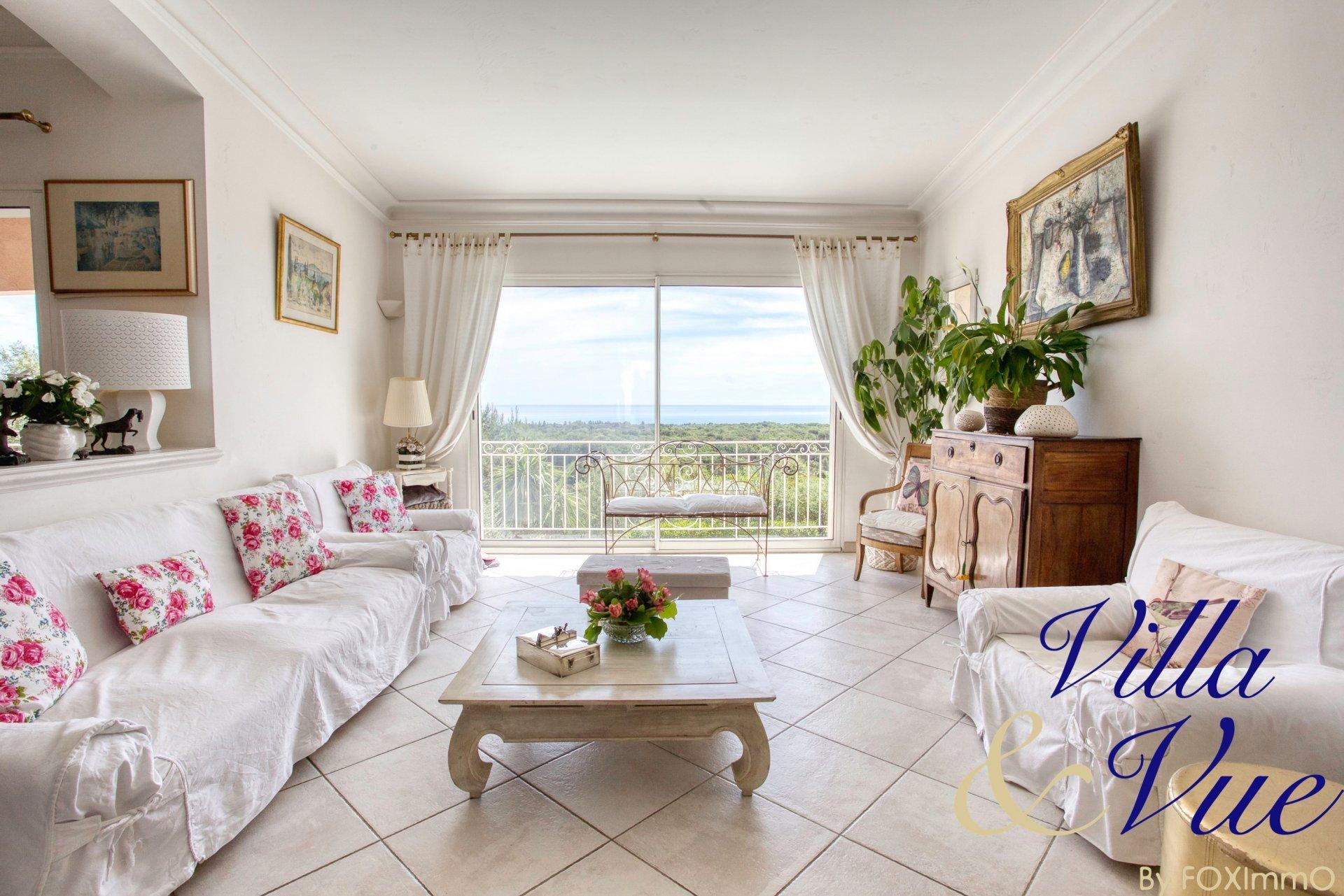 Sur la Côte d'Azur, superbe villa vue mer panoramique, piscine , terrasse
