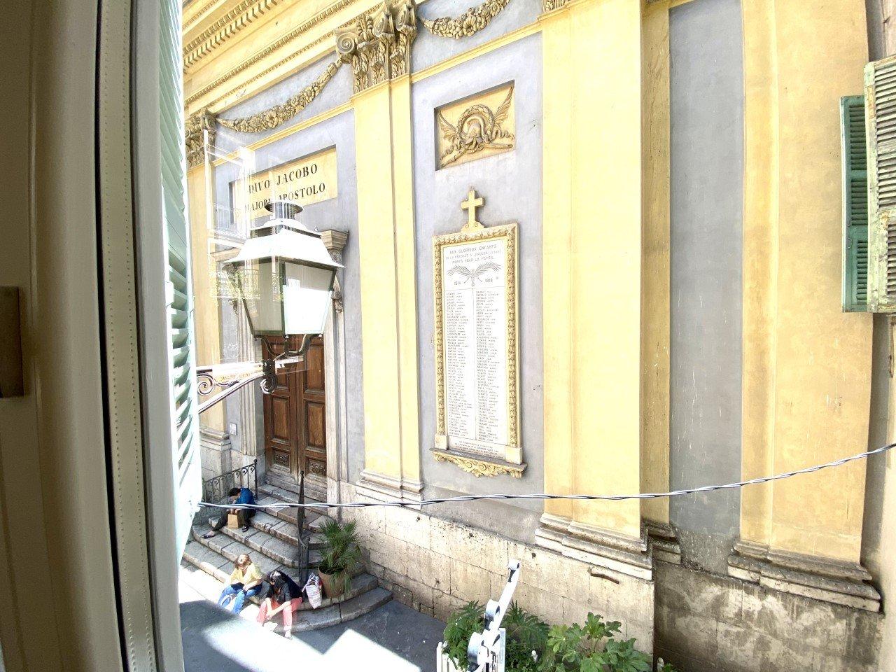 Vieux Nice 3 pièces vue sur la place du Jesus
