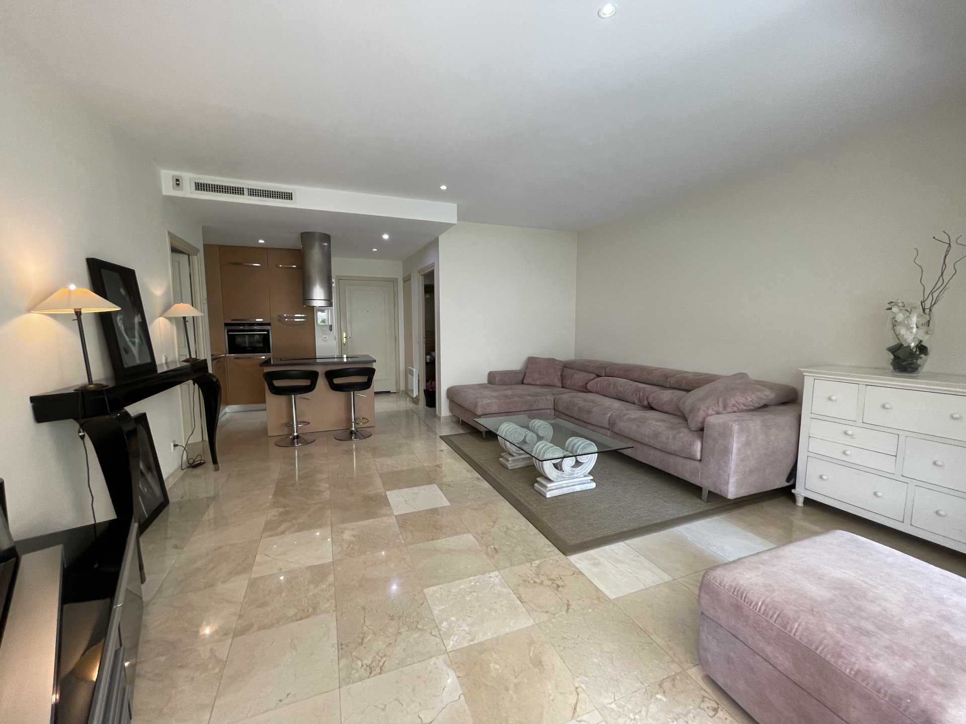 2 room apartment with garden * double garage