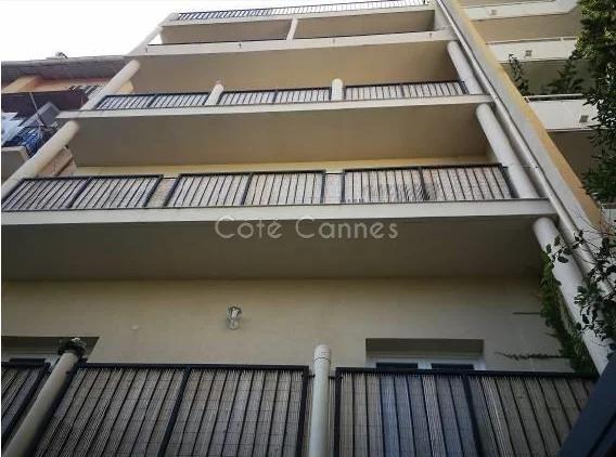 IMMEUBLE RENOVE 424 m2 PLEIN CENTRE CANNES