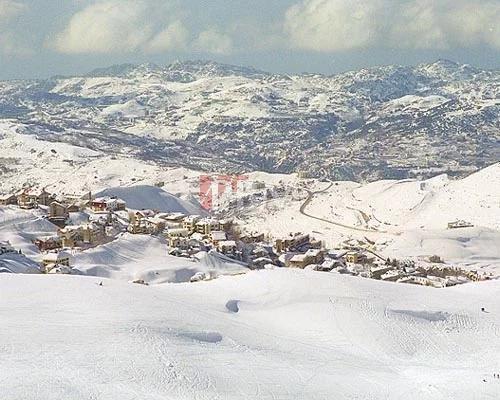 Sale Plot of land Mazrat Kfardebiane