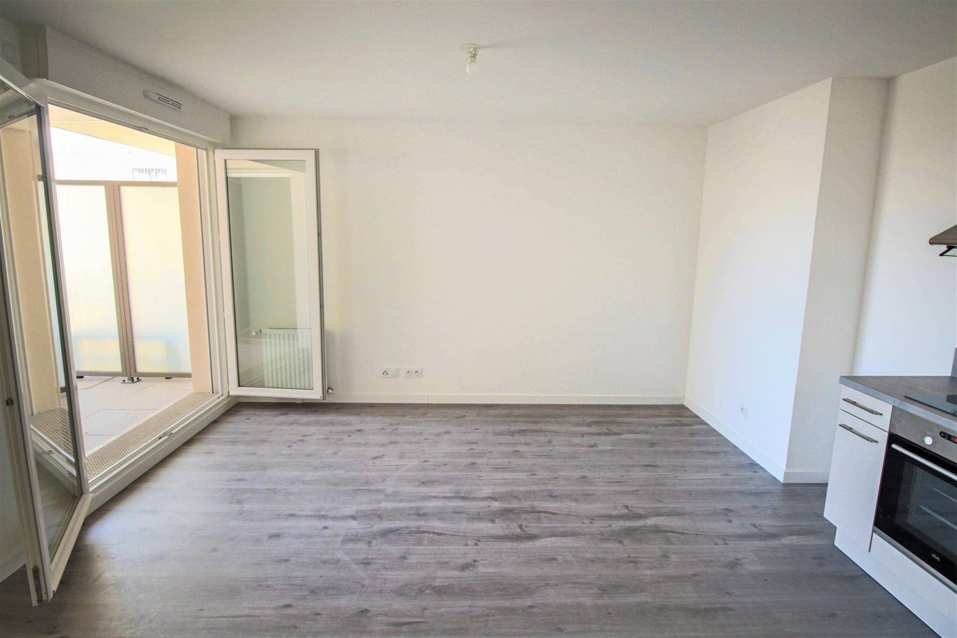 APPARTEMENT STANDING RT2012 de 2 pièces 41,24 m² , BALCON et PARKING