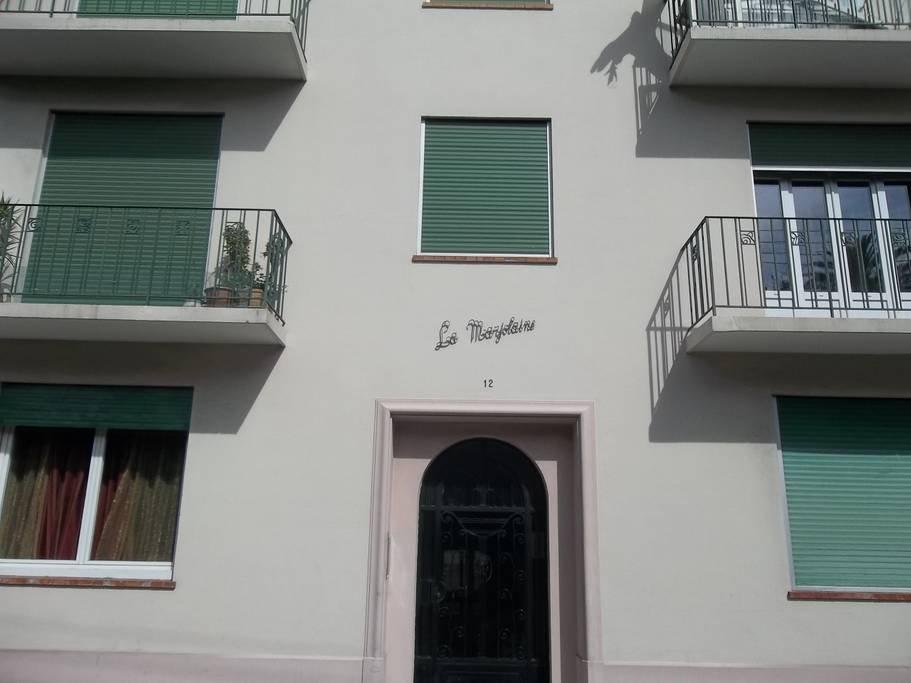 Cannes,2 pièces dans petite maison centre ville.