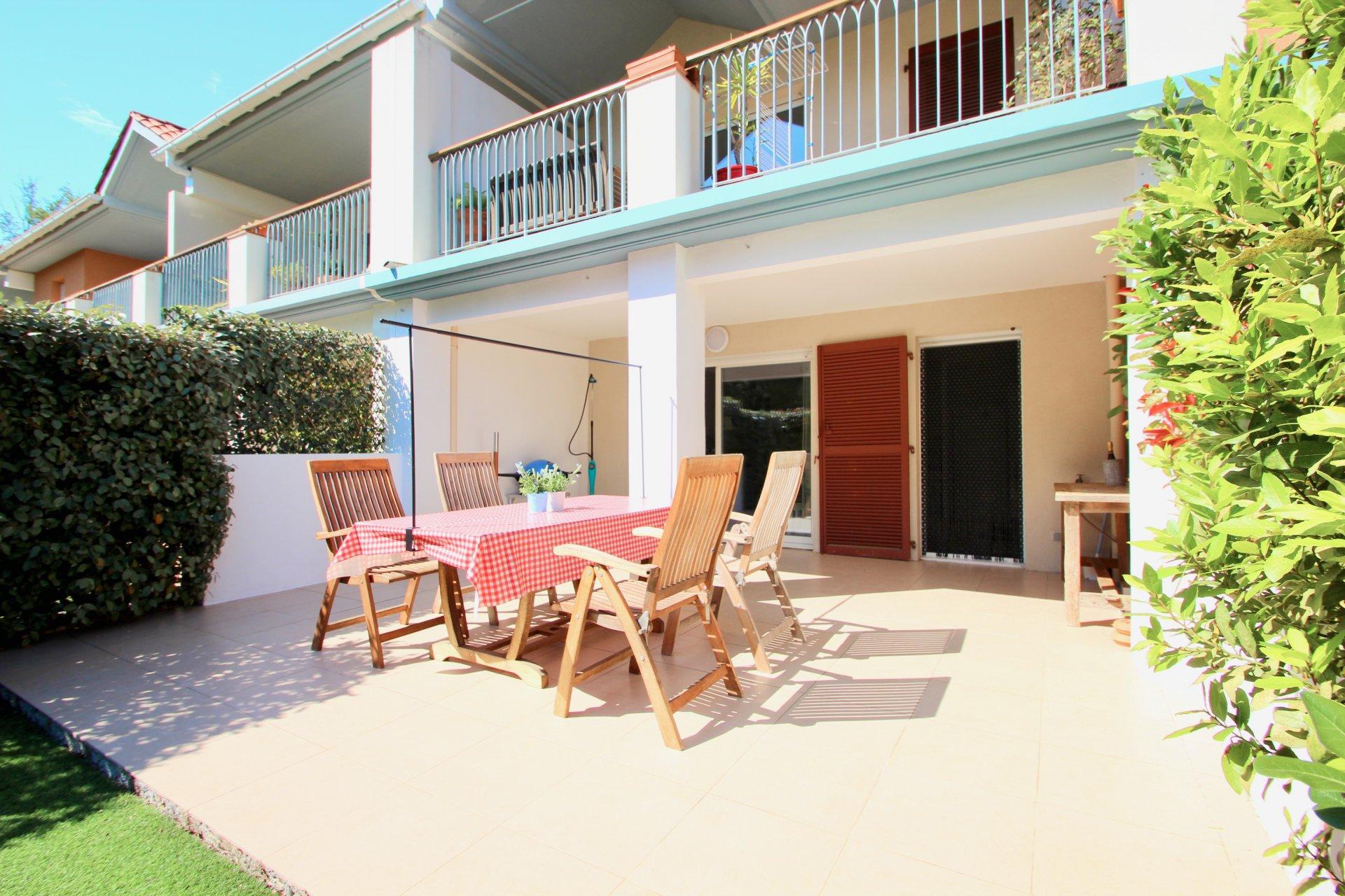 Roquebrune-s/Argens - modern 3k. apartment with garden and 2 garages