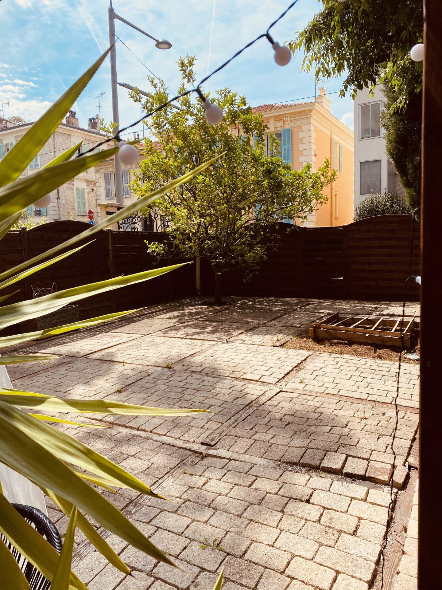 Quartier Eveche 5 Pièces rez de jardin