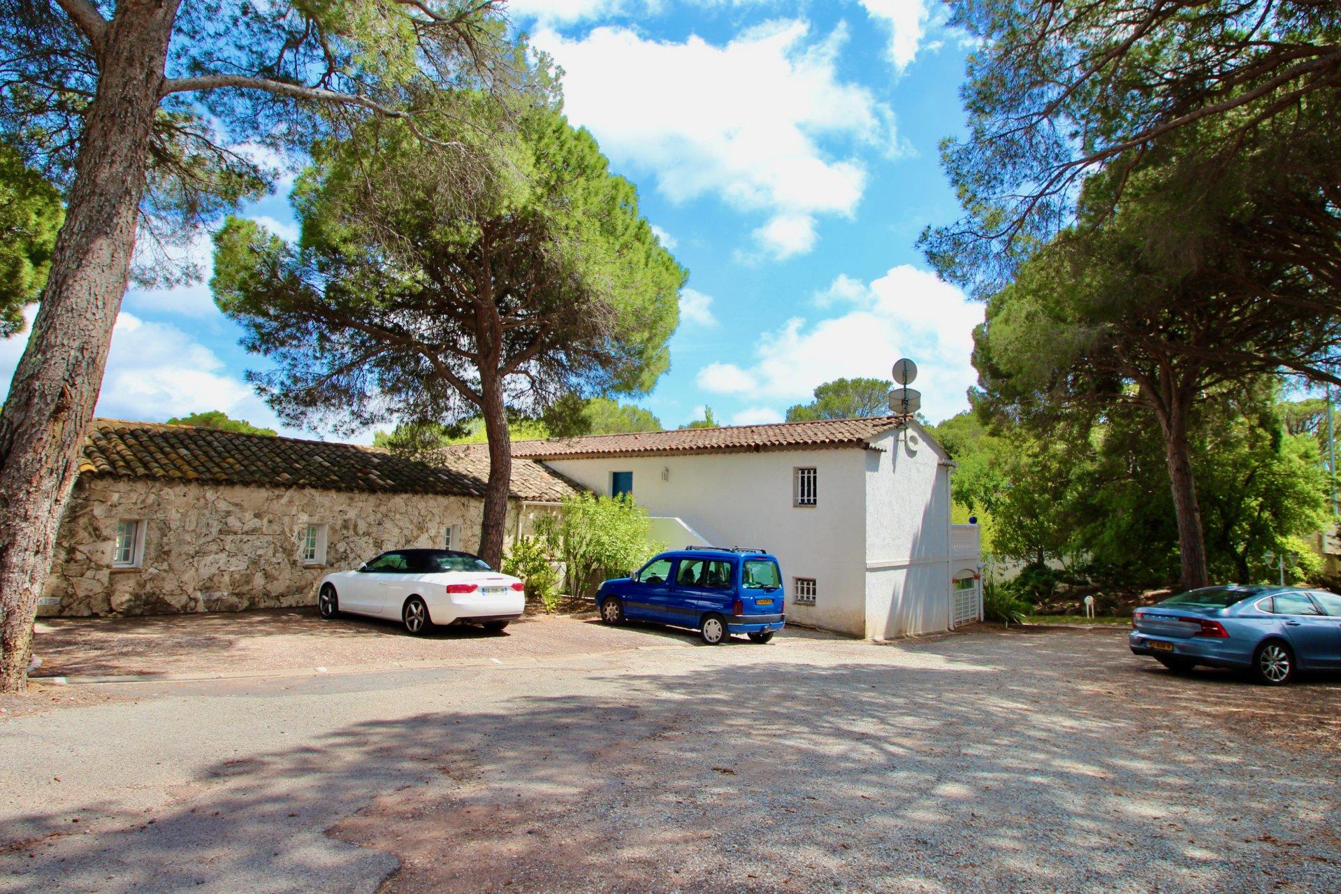 St.Raphaël - Valescure Riant 4 k. BG appartement + 2 x garage