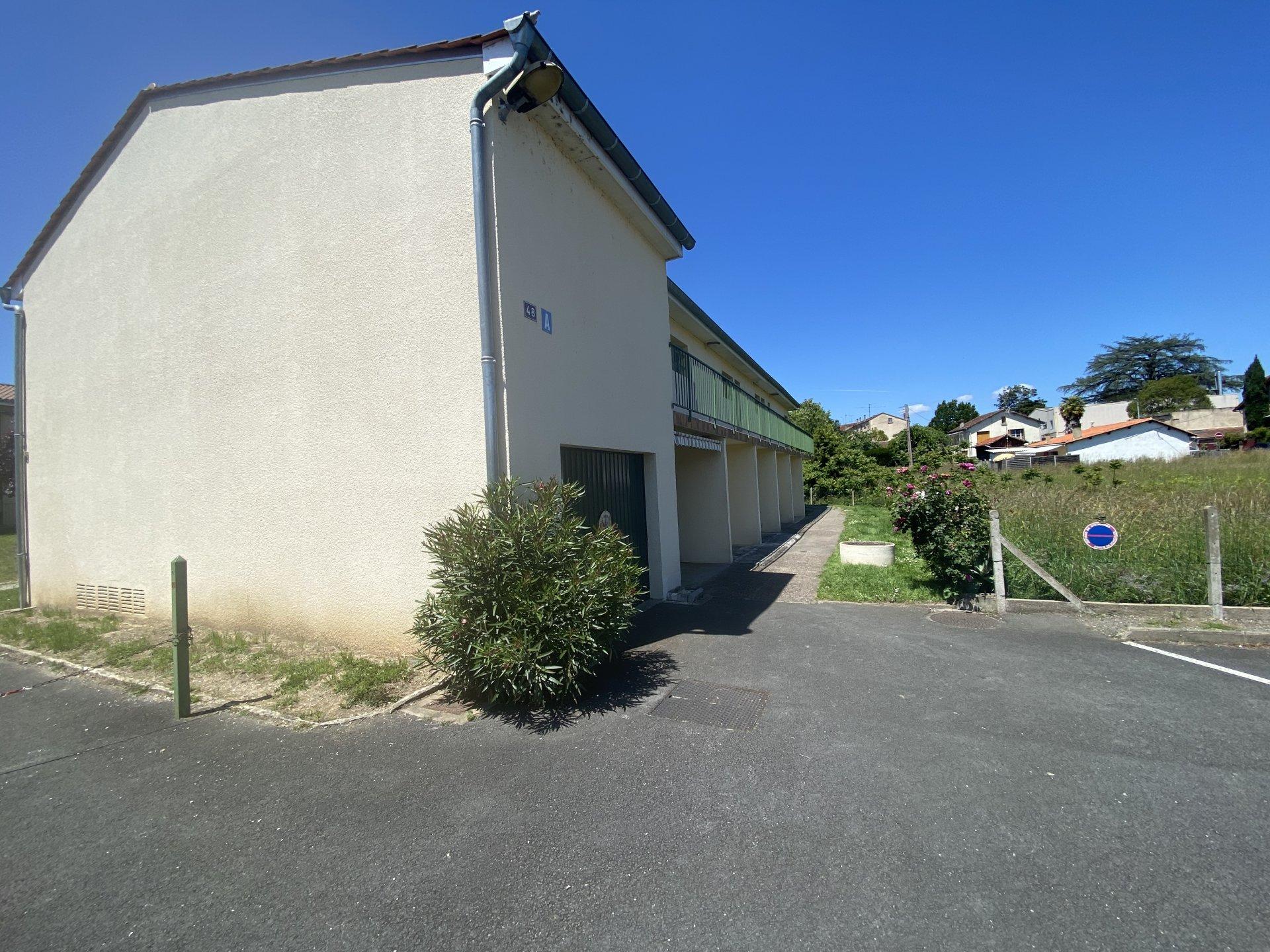 Studio loué dans résidence - Quartier Hôpital
