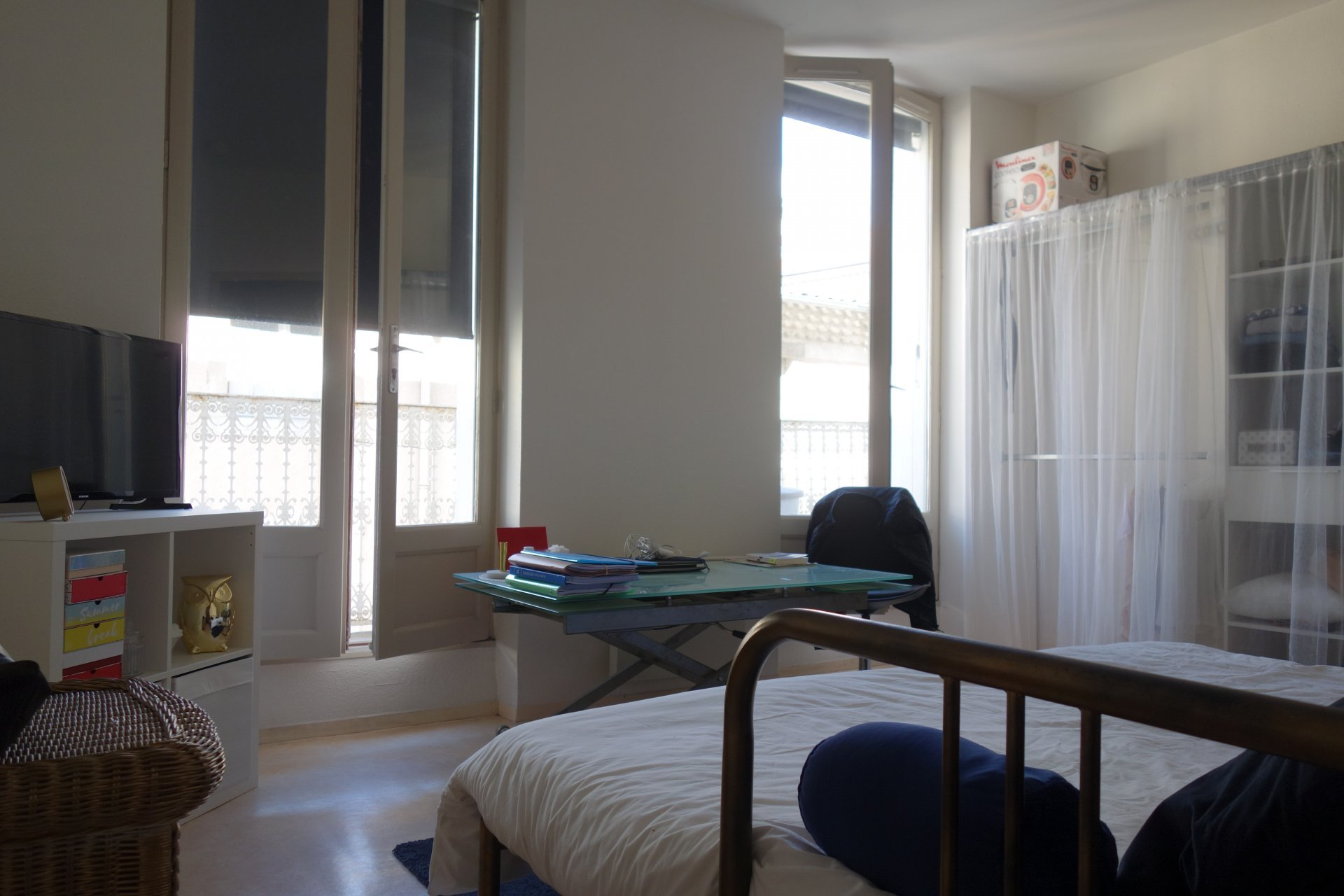A LOUER - Studio avec balcon lumineux