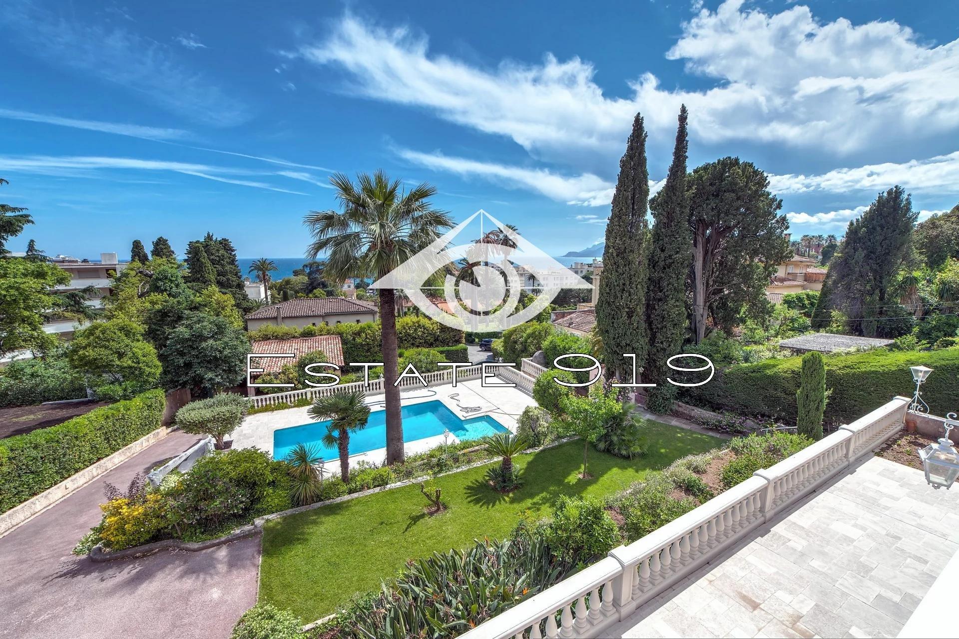 Cannes, luxieuse villa avec vue mer panoramique