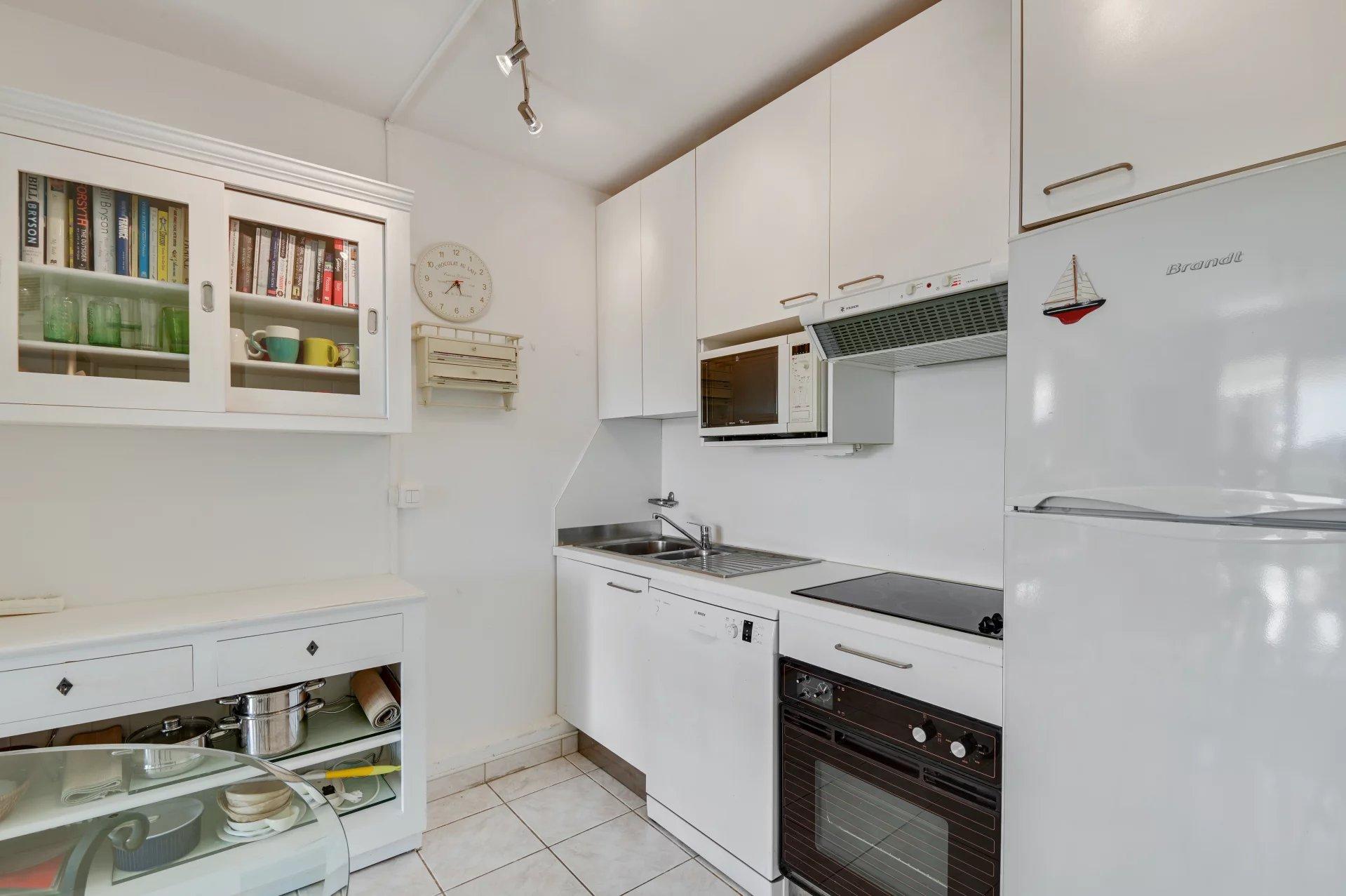Sole Agent, Mandelieu Cannes Marina 1 bedroom apartment