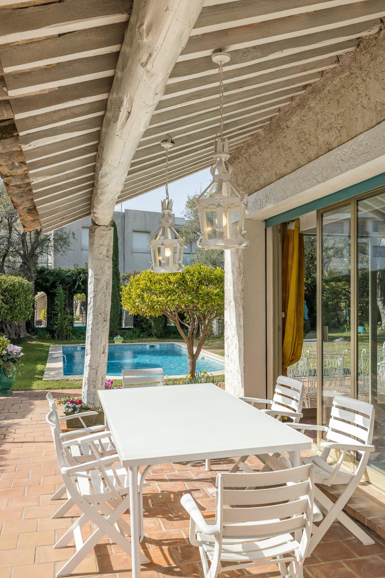 Charmig provensalsk villa med pool - Cap d'Antibes