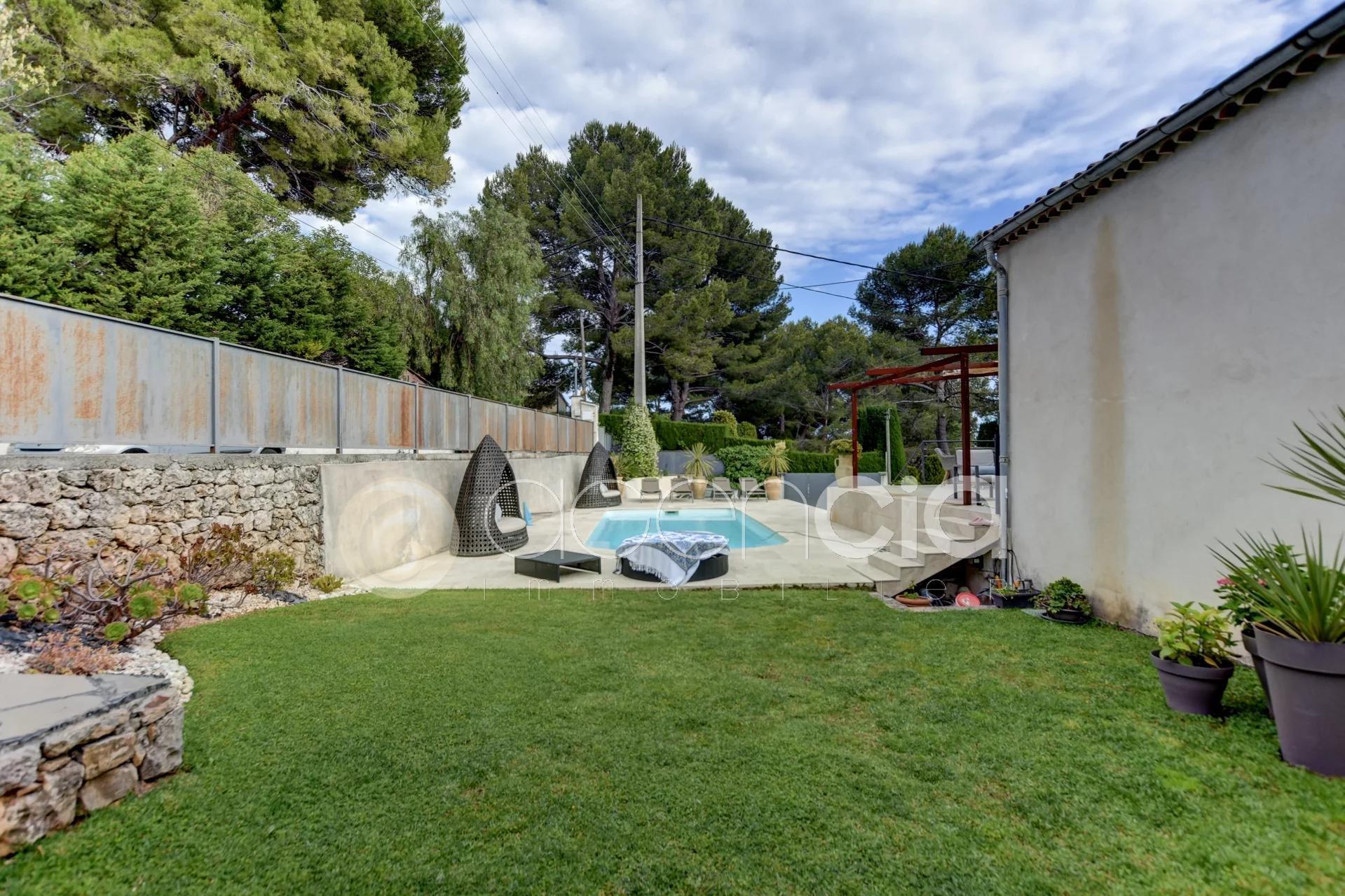 Haut de villa avec piscine