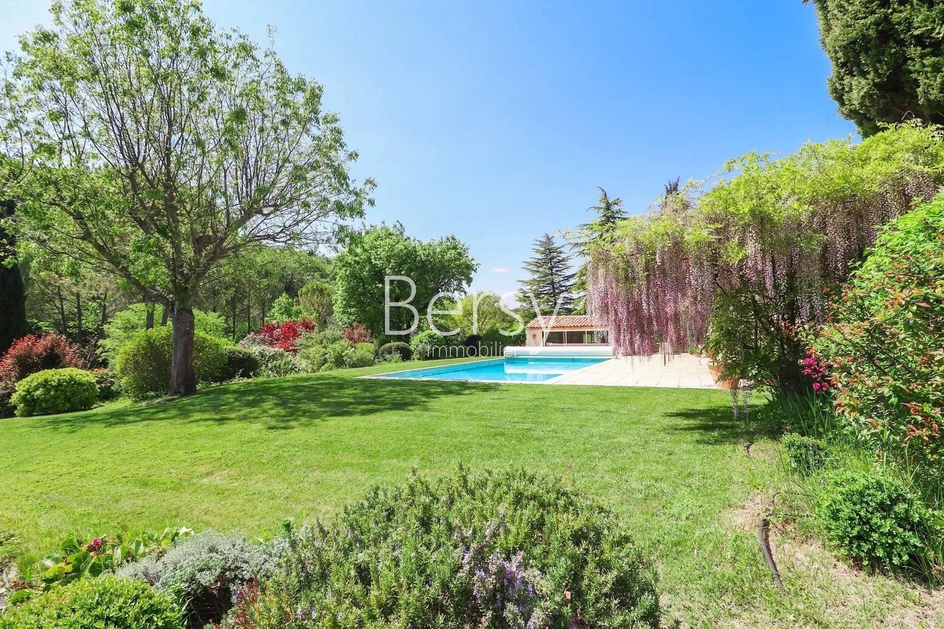 Sale Property - L'Isle-sur-la-Sorgue