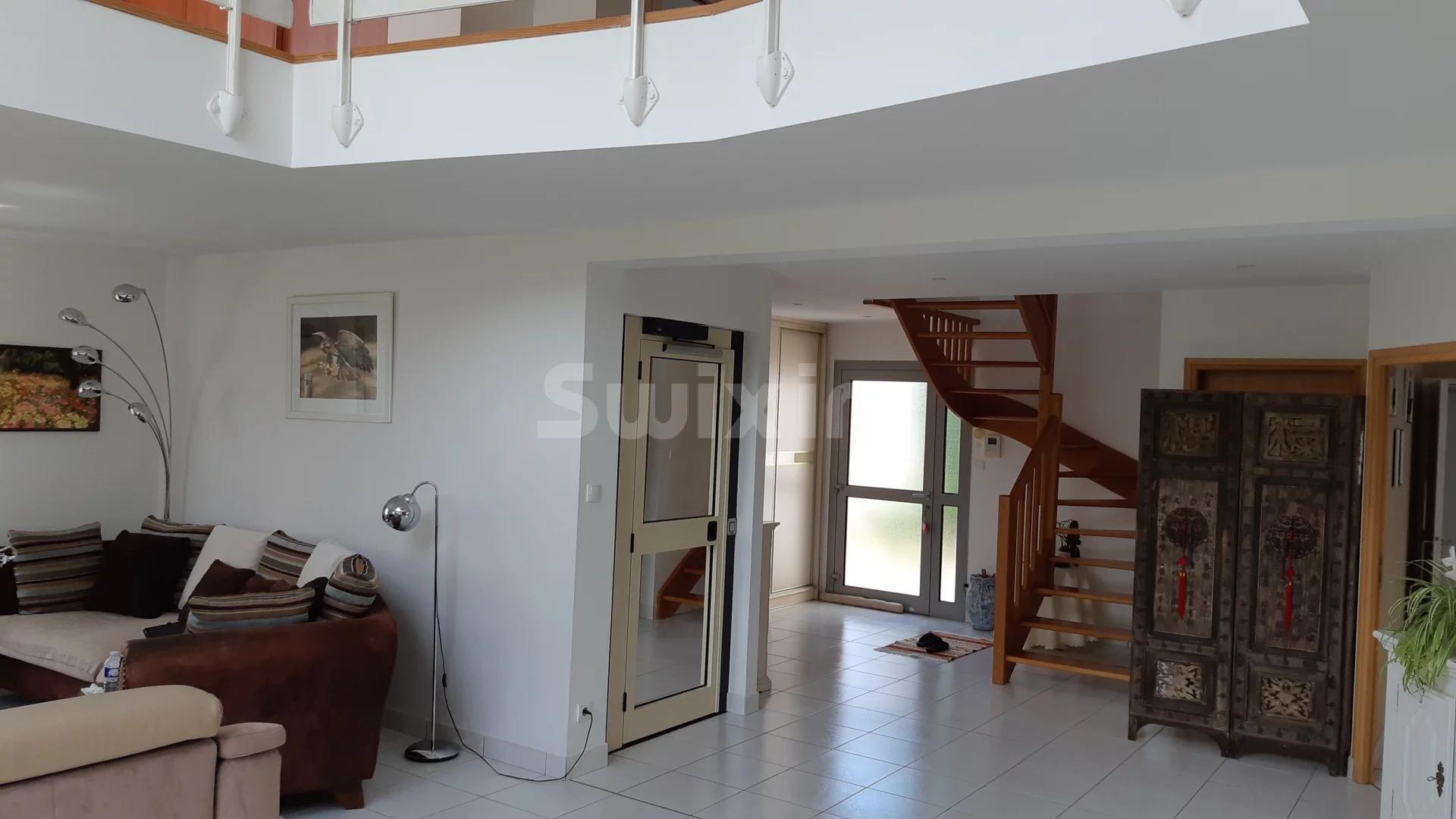 Pavillon individuel - 234 m²